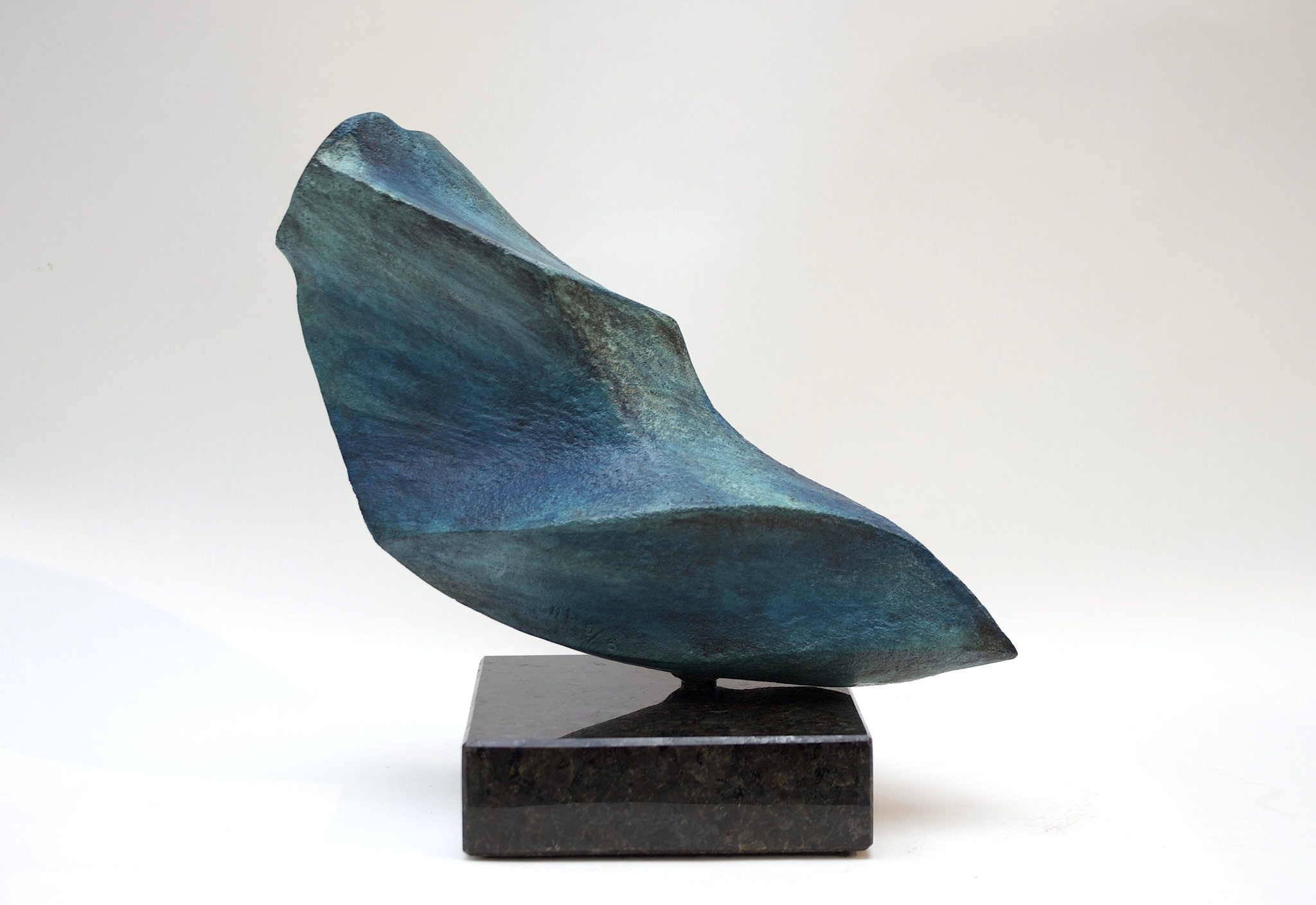 """<span class=""""link fancybox-details-link""""><a href=""""/artists/69-margaret-lovell-d.litt.-hon-frbs-rwa/works/3007-margaret-lovell-d.litt.-hon-frbs-rwa-marine-bird-2005/"""">View Detail Page</a></span><div class=""""artist""""><strong>Margaret Lovell D.Litt. Hon FRBS RWA</strong></div> b. 1939 <div class=""""title""""><em>Marine Bird</em>, 2005</div> <div class=""""signed_and_dated"""">signed and stamped by the artist '5/6'</div> <div class=""""medium"""">cast bronze (patinated) on granite base</div> <div class=""""dimensions"""">12 x 16 cm<br /> 4 3/4 x 6 1/4 in</div> <div class=""""edition_details"""">edition 5 of 6</div><div class=""""price"""">£3,450.00</div><div class=""""copyright_line"""">Own Art: £ 250 x 10 Months, 0% APR + deposit £ 950</div>"""