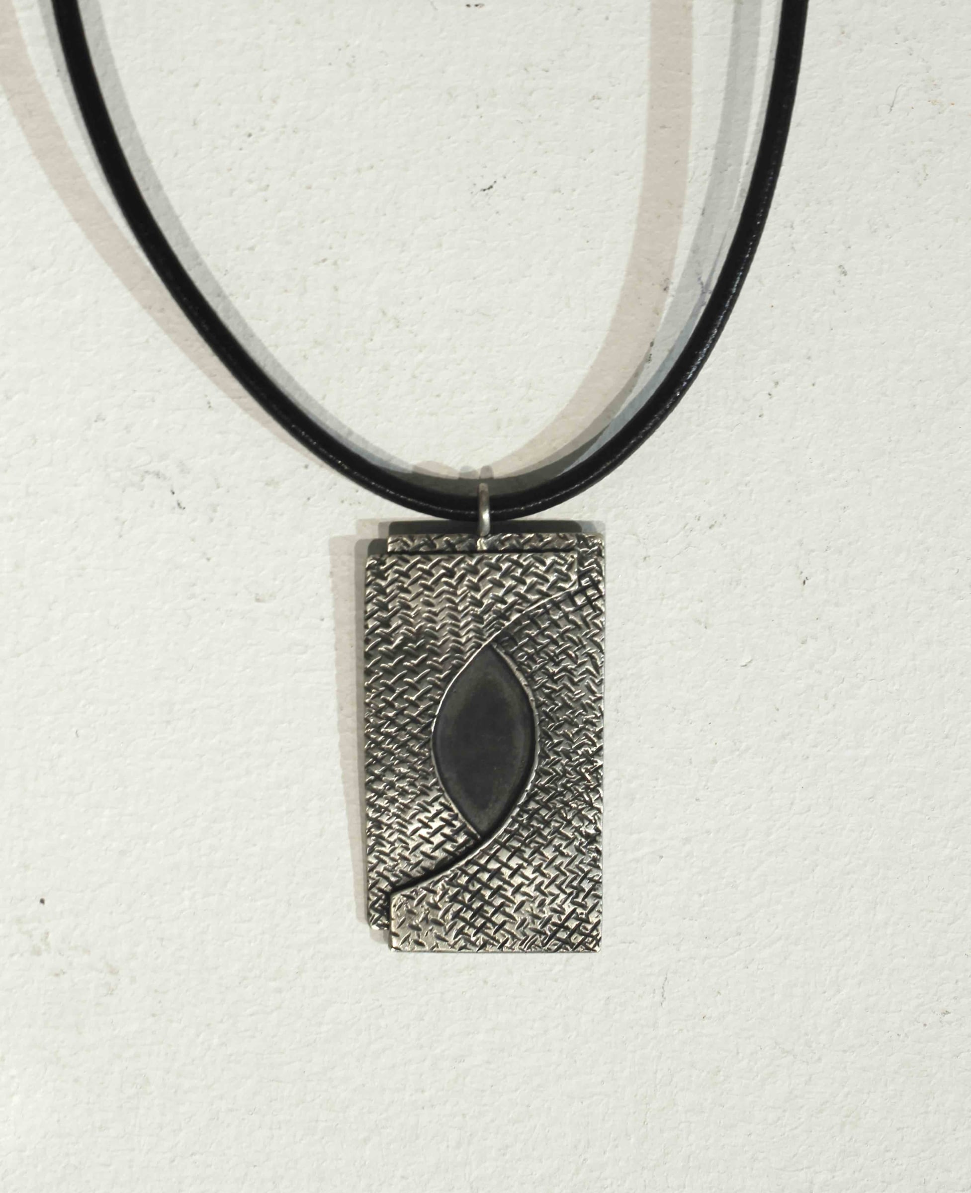 "<span class=""link fancybox-details-link""><a href=""/artists/186-helen-feiler/works/4627-helen-feiler-double-layer-square-pendant/"">View Detail Page</a></span><div class=""artist""><strong>Helen Feiler</strong></div> <div class=""title""><em>Double Layer, Square Pendant</em></div> <div class=""medium"">Silver </div><div class=""price"">£180.00</div><div class=""copyright_line"">OwnArt: £ 180 x 10 Months, 0% APR</div>"