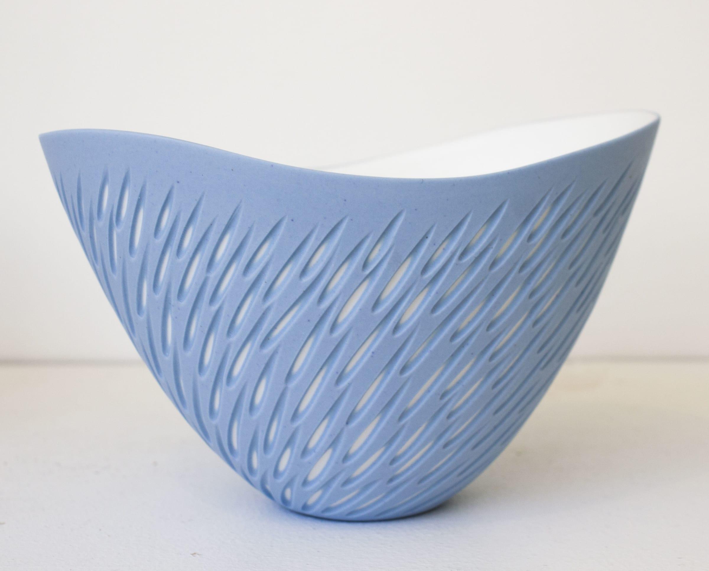 "<span class=""link fancybox-details-link""><a href=""/artists/60-sasha-wardell/works/7786-sasha-wardell-purple-shoal-curved-rim-bowl-2021/"">View Detail Page</a></span><div class=""artist""><strong>Sasha Wardell</strong></div> <div class=""title""><em>Purple 'Shoal' Curved Rim Bowl</em>, 2021</div> <div class=""medium"">bone china</div> <div class=""dimensions"">h. 11 cm</div><div class=""price"">£180.00</div><div class=""copyright_line"">Own Art: £18 x 10 Months, 0% APR</div>"