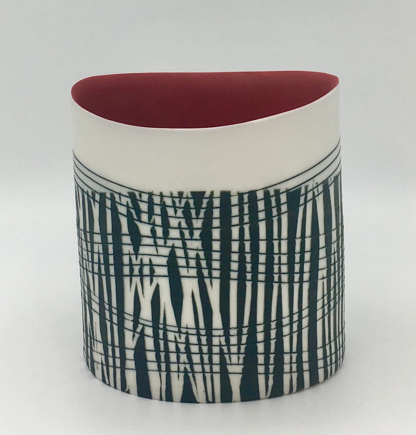 """<span class=""""link fancybox-details-link""""><a href=""""/artists/195-lara-scobie/works/6524-lara-scobie-oval-vessel-with-red-interior-2019/"""">View Detail Page</a></span><div class=""""artist""""><strong>Lara Scobie</strong></div> b. 1967 <div class=""""title""""><em>Oval Vessel with Red Interior</em>, 2019</div> <div class=""""medium"""">Porcelain</div><div class=""""copyright_line"""">Own Art: £28 x 10 Months, 0% APR</div>"""