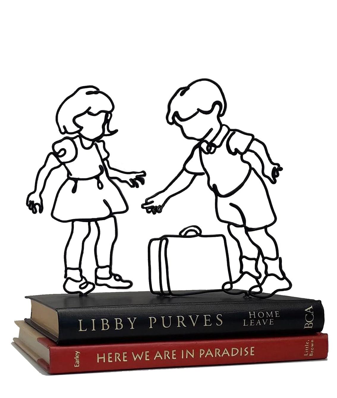 "<span class=""link fancybox-details-link""><a href=""/artists/37-ann-winder-boyle/works/7107-ann-winder-boyle-home-leave-2020/"">View Detail Page</a></span><div class=""artist""><strong>Ann Winder-Boyle</strong></div> b. 1963 <div class=""title""><em>Home Leave</em>, 2020</div> <div class=""signed_and_dated"">signed and titled on base</div> <div class=""medium"">vintage books and wire sculpture</div><div class=""price"">£325.00</div><div class=""copyright_line"">Own Art £32.50 x 10 months, 0% APR</div>"