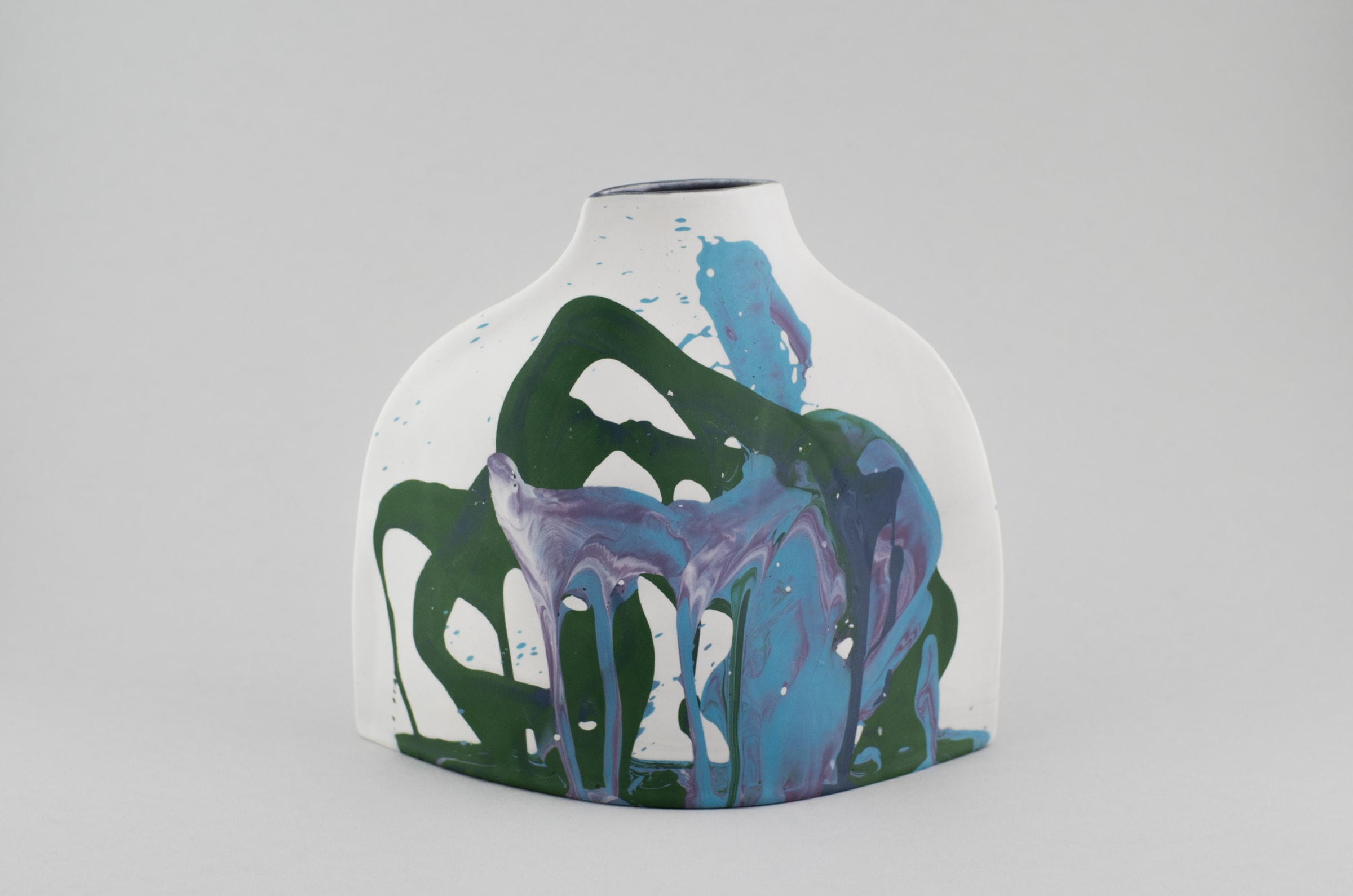"""<span class=""""link fancybox-details-link""""><a href=""""/artists/219-james-pegg/works/6783-james-pegg-shoulder-vase-2019/"""">View Detail Page</a></span><div class=""""artist""""><strong>James Pegg</strong></div> <div class=""""title""""><em>Shoulder Vase</em>, 2019</div> <div class=""""medium"""">action-cast stained porcelain with glazed interior <br />  (in collaboration with Lucia Fraser)</div> <div class=""""dimensions"""">h 20 cm x w 17.5 cm</div><div class=""""price"""">£205.00</div><div class=""""copyright_line"""">OwnArt: £ 20.50 x 10 Months, 0% APR </div>"""