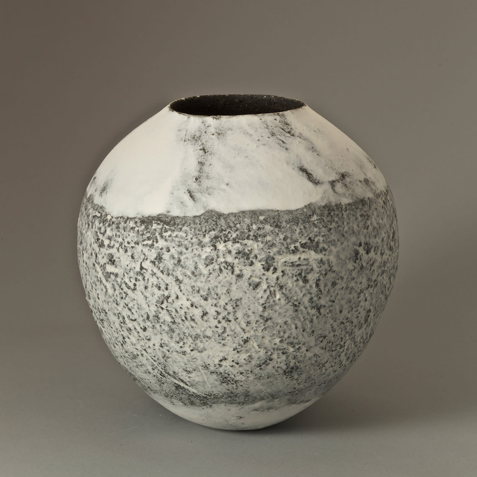 """<span class=""""link fancybox-details-link""""><a href=""""/content/feature/35/artworks7968/"""">View Detail Page</a></span><div class=""""signed_and_dated"""">signed to the base</div> <div class=""""medium"""">handbuilt stoneware and porcelain, with porcelain slip</div> <div class=""""dimensions"""">h. 22.5 x dia. 22 cm</div>"""