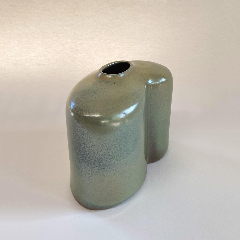 """<span class=""""link fancybox-details-link""""><a href=""""/content/feature/36/artworks7955/"""">View Detail Page</a></span><div class=""""medium"""">slab-built, salt glazed stoneware</div> <div class=""""dimensions""""> h. 18 x w. 20 x d. 11 cm</div>"""