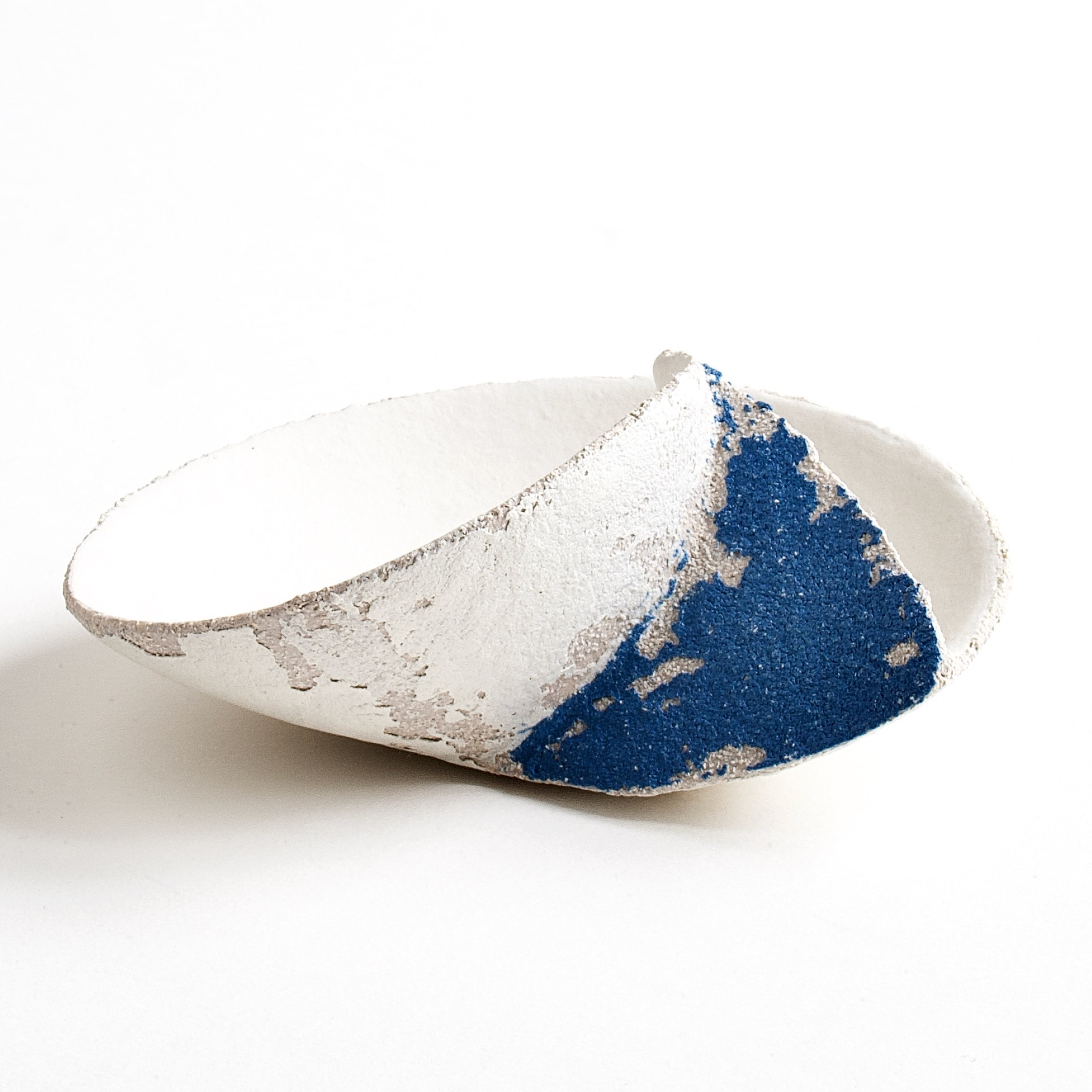"""<span class=""""link fancybox-details-link""""><a href=""""/artists/79-clare-conrad/works/8129-clare-conrad-tiny-wave-dish-white-with-bright-blue-2021/"""">View Detail Page</a></span><div class=""""artist""""><strong>Clare Conrad</strong></div> b. 1948 <div class=""""title""""><em>Tiny wave dish, white with bright blue</em>, 2021</div> <div class=""""medium"""">wheel-thrown stoneware </div> <div class=""""dimensions"""">dia. 12 cm </div><div class=""""price"""">£132.00</div><div class=""""copyright_line"""">Own Art: £13.20 x 10 Months, 0% APR</div>"""