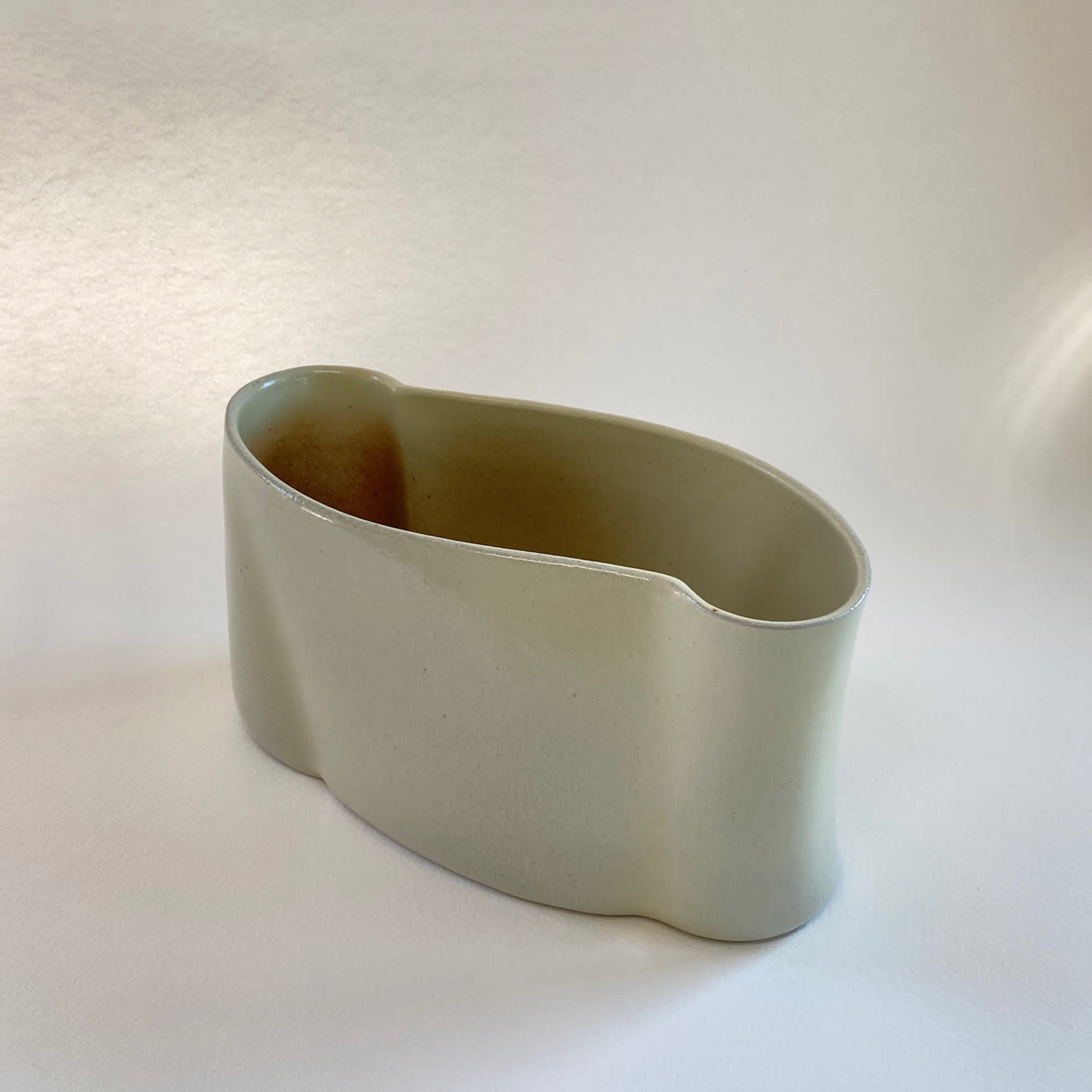 """<span class=""""link fancybox-details-link""""><a href=""""/content/feature/36/artworks7951/"""">View Detail Page</a></span><div class=""""medium"""">slab-built, salt glazed stoneware</div> <div class=""""dimensions""""> h. 14 x w. 26 x d. 12 cm</div>"""