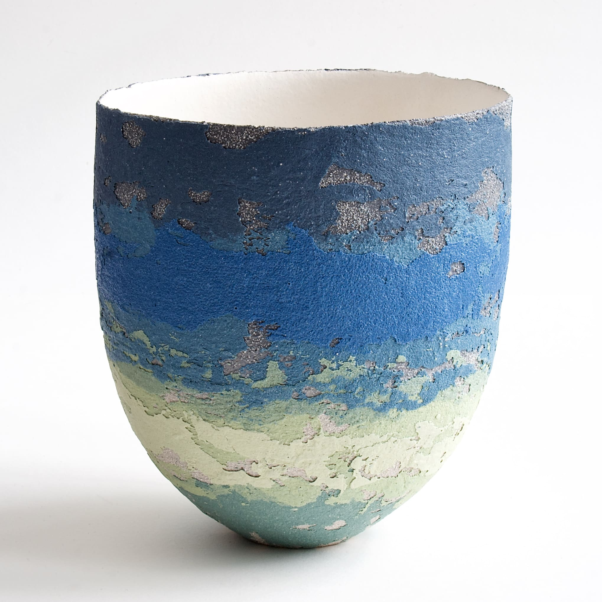 """<span class=""""link fancybox-details-link""""><a href=""""/artists/79-clare-conrad/works/8124-clare-conrad-vessel-white-interior-2021/"""">View Detail Page</a></span><div class=""""artist""""><strong>Clare Conrad</strong></div> b. 1948 <div class=""""title""""><em>Vessel, white interior</em>, 2021</div> <div class=""""medium"""">wheel-thrown stoneware </div> <div class=""""dimensions"""">h. 15.5 cm </div><div class=""""price"""">£275.00</div><div class=""""copyright_line"""">Own Art: £27.50 x 10 Months, 0% APR</div>"""
