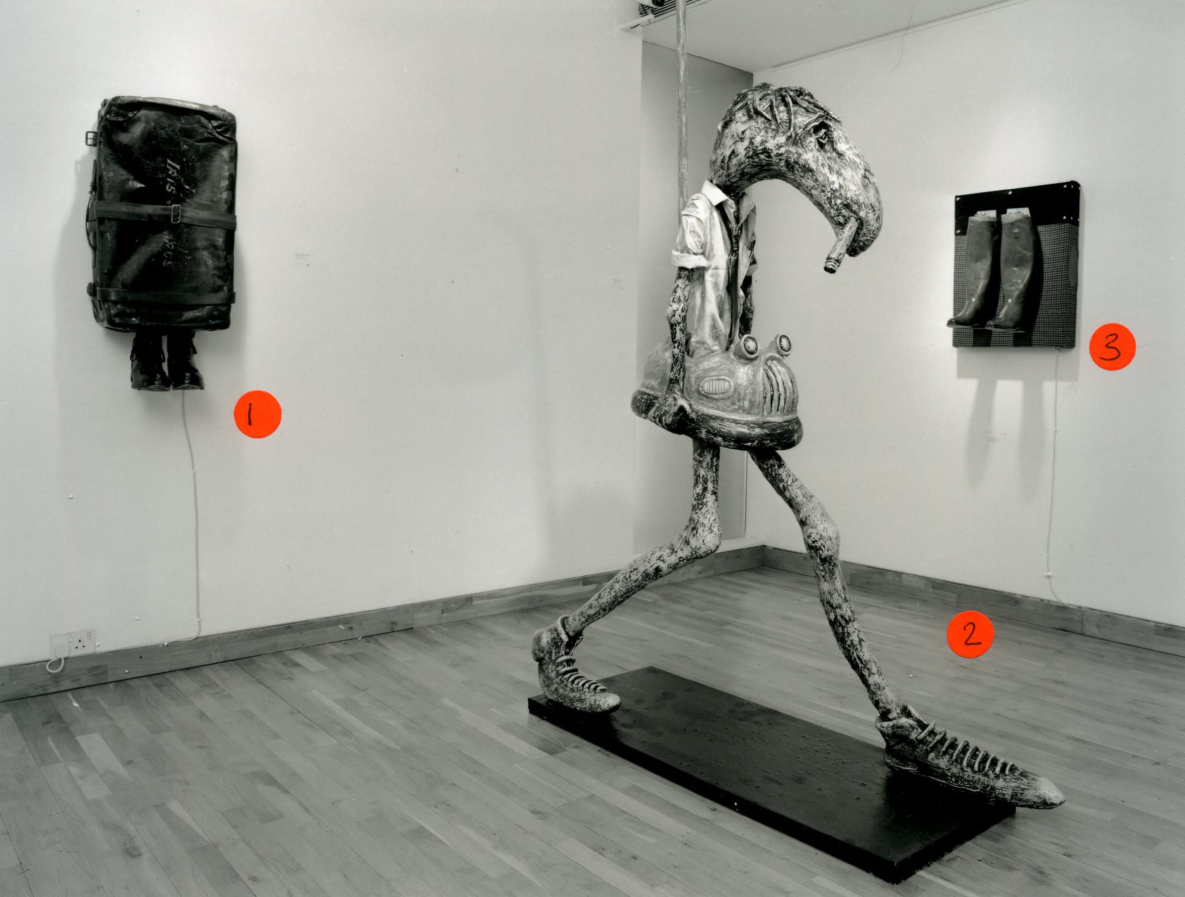 """<span class=""""link fancybox-details-link""""><a href=""""/exhibitions/162/works/image_standalone712/"""">View Detail Page</a></span><p>PATRICK O'REILLY   THE BROKEN WING   25 FEB - 01 APR 1999   Installation View</p>"""