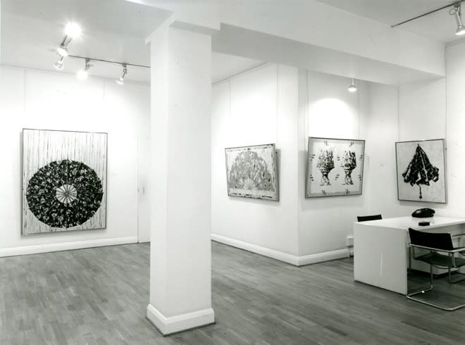 """<span class=""""link fancybox-details-link""""><a href=""""/exhibitions/283/works/image_standalone1439/"""">View Detail Page</a></span><p>TONY SCHERMAN   RECENT PAINTINGS   15 SEP - 10 OCT 1981   Installation View</p>"""