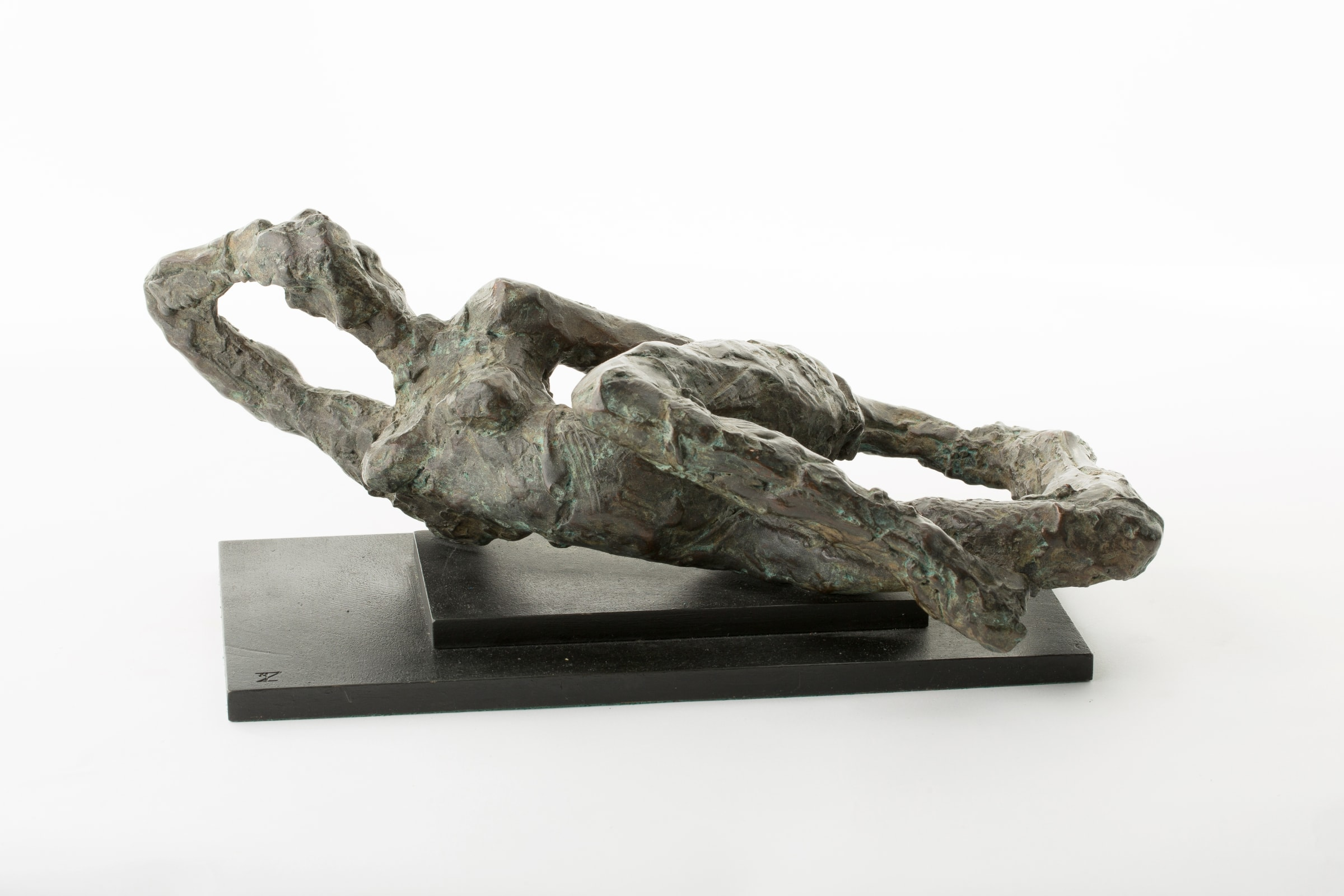 """<span class=""""link fancybox-details-link""""><a href=""""/artists/78-ivor-abrahams/works/9825-ivor-abrahams-reclining-figure-1986/"""">View Detail Page</a></span><div class=""""artist""""><span class=""""artist""""><strong>IVOR ABRAHAMS</strong></span></div><div class=""""title""""><em>Reclining figure</em>, 1986</div><div class=""""medium"""">Bronze</div><div class=""""dimensions"""">16 x 35 x 20 cm<br /> 6 1/4 x 13 3/4 x 7 7/8 inches</div><div class=""""price"""">€6,500.00</div>"""