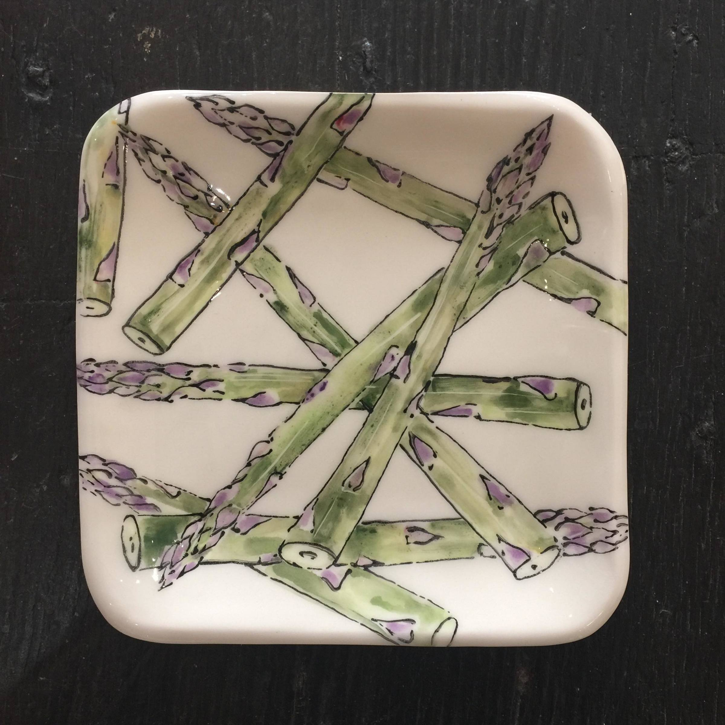 <span class=&#34;link fancybox-details-link&#34;><a href=&#34;/artists/33-kerry-edwards/works/2391-kerry-edwards-small-asparagus-dish/&#34;>View Detail Page</a></span><div class=&#34;artist&#34;><strong>Kerry Edwards</strong></div> <div class=&#34;title&#34;><em>Small Asparagus Dish</em></div> <div class=&#34;medium&#34;>Ceramic</div> <div class=&#34;dimensions&#34;>16 x 16 cm</div><div class=&#34;price&#34;>£45.00</div><div class=&#34;copyright_line&#34;>Copyright The Artist</div>