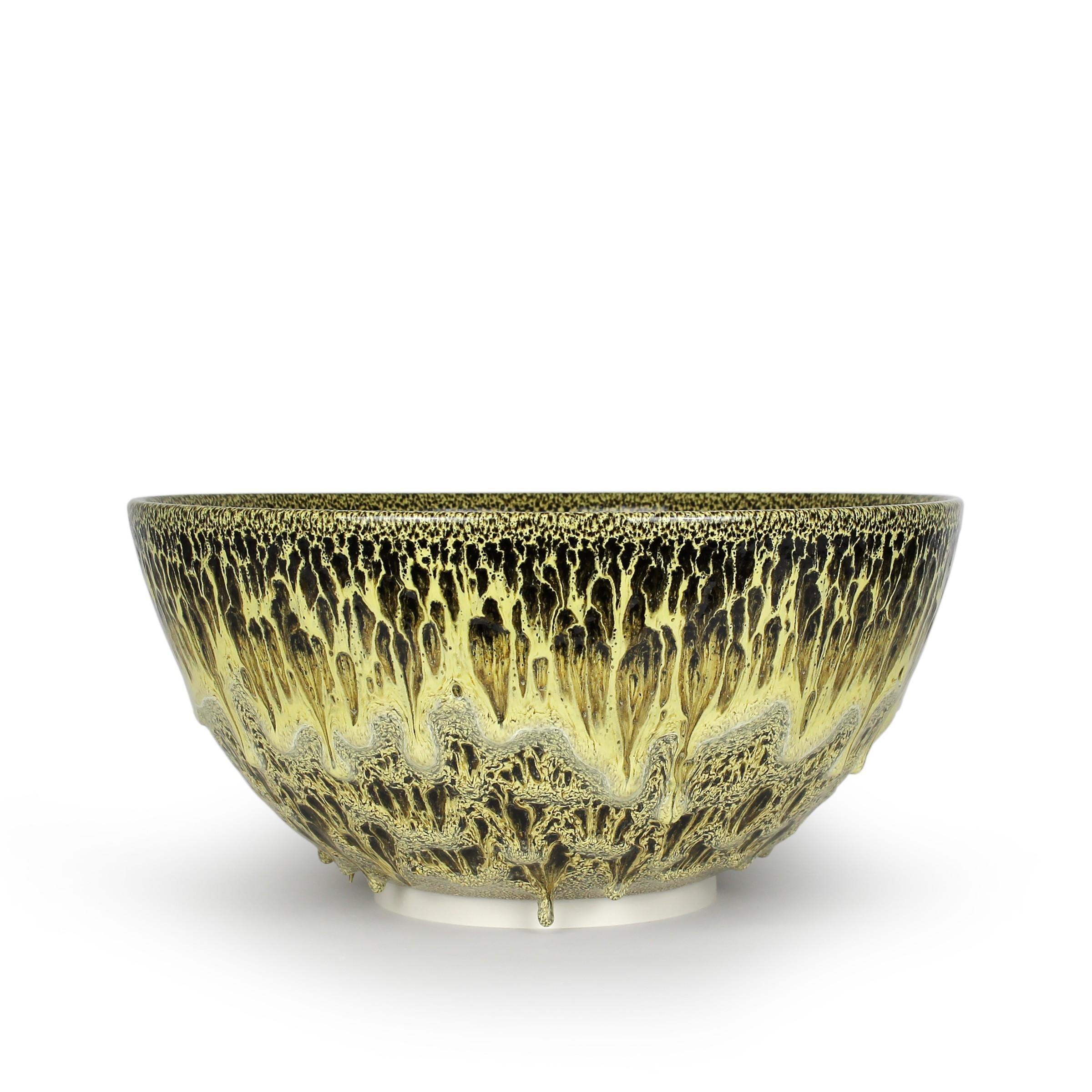 "<span class=""link fancybox-details-link""><a href=""/exhibitions/45/works/artworks3346/"">View Detail Page</a></span><div class=""artist""><strong>Albert Montserrat</strong></div><div class=""title""><em>Golden Bowl</em>, 2020</div><div class=""medium"">Oil - Spot Glazed Thrown Porcelain</div><div class=""dimensions"">23 x 49 x 49 cm<br>9 1/8 x 19 1/4 x 19 1/4 in.</div>"