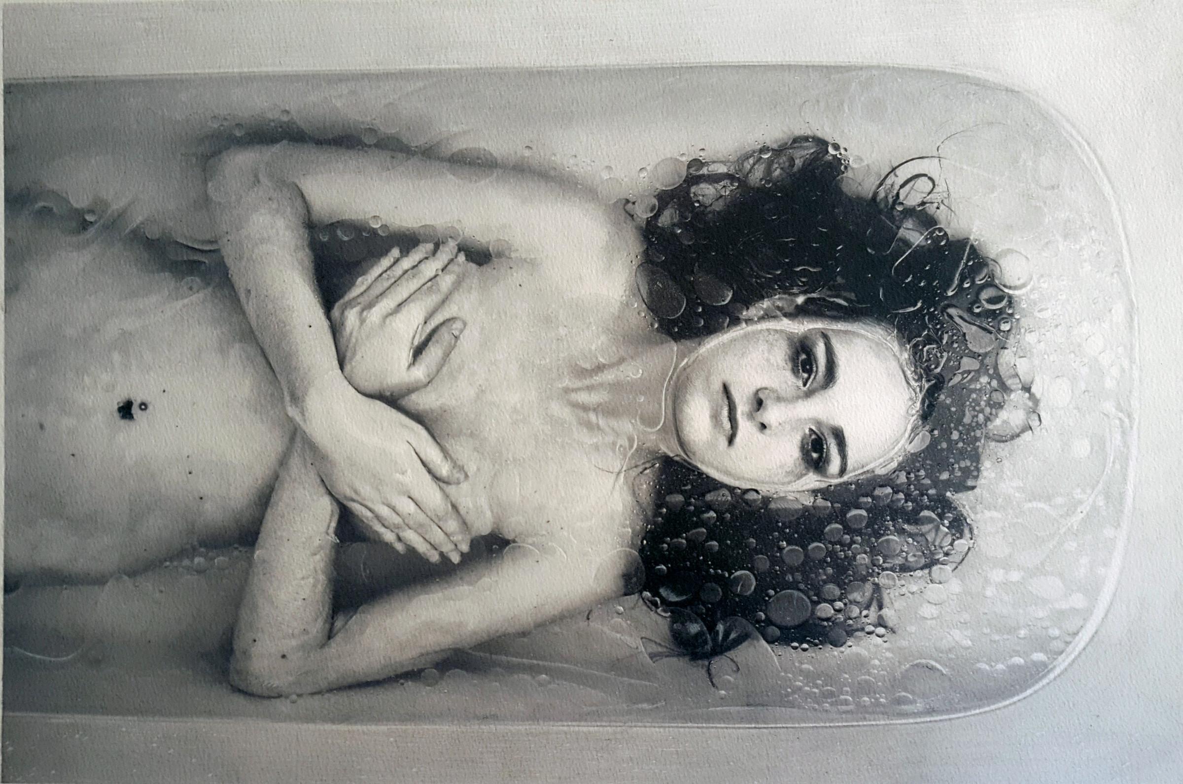 <span class=&#34;link fancybox-details-link&#34;><a href=&#34;/artists/77-paul-cadden/works/2706/&#34;>View Detail Page</a></span><div class=&#34;artist&#34;><strong>Paul Cadden</strong></div> <div class=&#34;title&#34;><em>Song for the Siren</em></div> <div class=&#34;medium&#34;>Pencil on paper</div> <div class=&#34;dimensions&#34;>36 x 54 cm </div><div class=&#34;copyright_line&#34;>Copyright The Artist</div>
