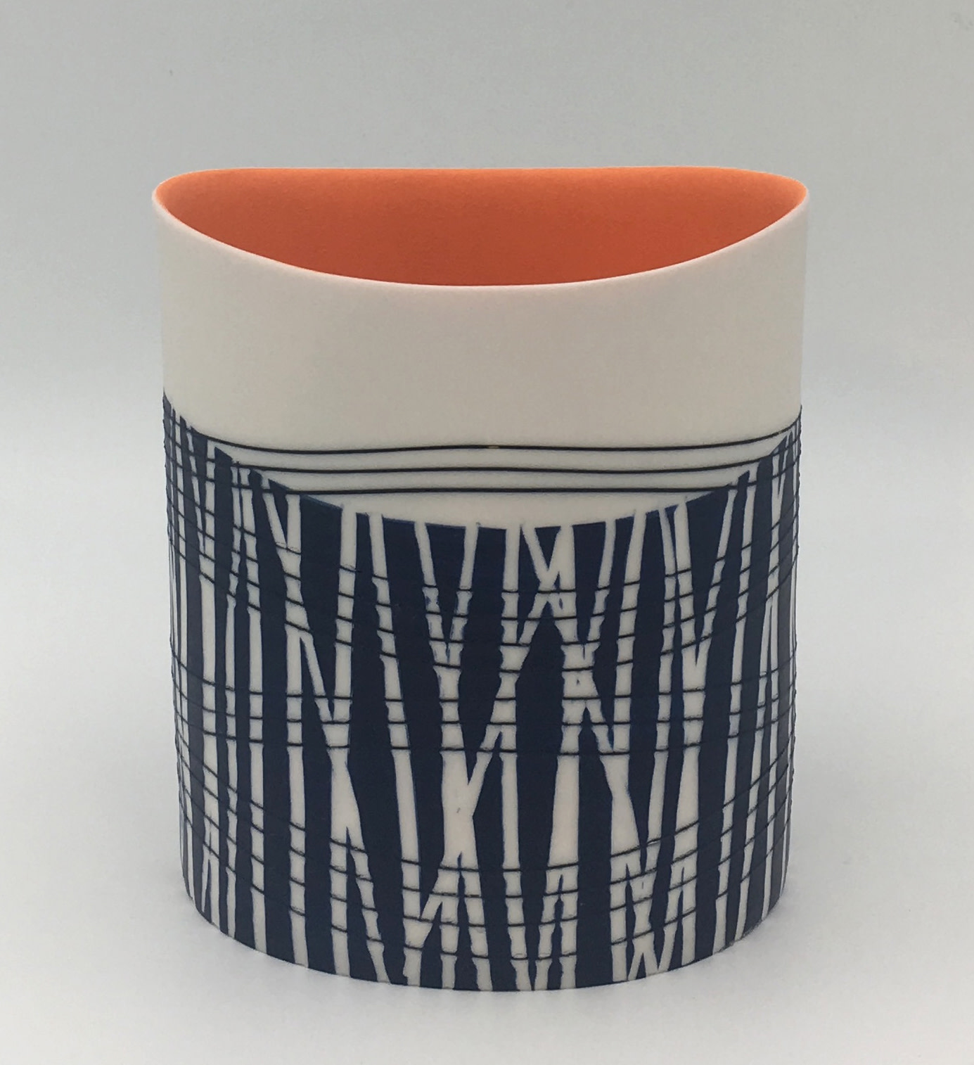 "<span class=""link fancybox-details-link""><a href=""/artists/195-lara-scobie/works/6523-lara-scobie-oval-vessel-with-orange-interior-2019/"">View Detail Page</a></span><div class=""artist""><strong>Lara Scobie</strong></div> <div class=""title""><em>Oval Vessel with Orange Interior</em>, 2019</div> <div class=""medium"">Porcelain</div><div class=""copyright_line"">Ownart: £28 x 10 Months, 0% APR</div>"
