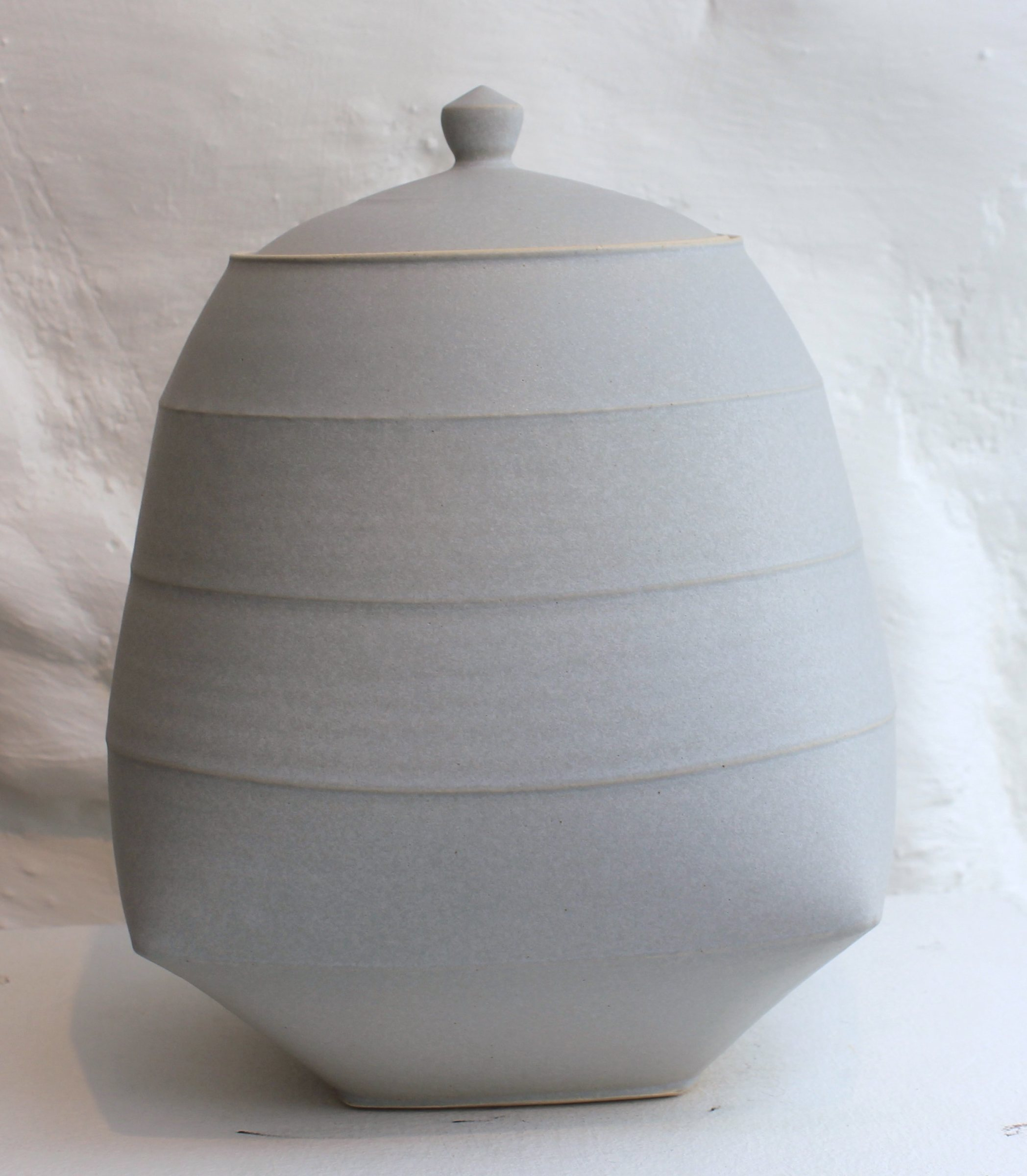 "<span class=""link fancybox-details-link""><a href=""/artists/33-sun-kim/works/5743-sun-kim-large-lidded-jar-2018/"">View Detail Page</a></span><div class=""artist""><strong>Sun Kim</strong></div> <div class=""title""><em>Large Lidded Jar</em>, 2018</div> <div class=""signed_and_dated"">stamped by the artist</div> <div class=""medium"">porcelain</div> <div class=""dimensions"">23 x 15 x 11 cm<br /> 9 1/8 x 5 7/8 x 4 3/8 inches</div><div class=""copyright_line"">OwnArt: £ 54 x 10 Months, 0% APR</div>"