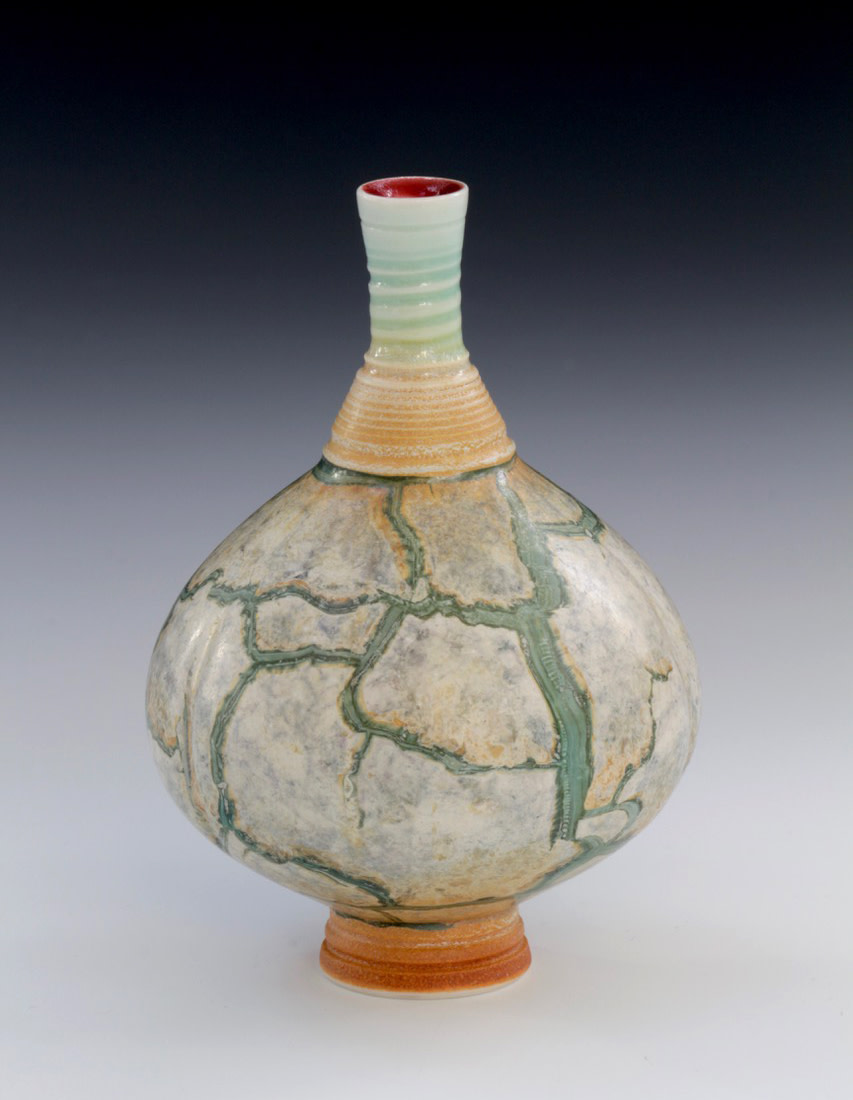 "<span class=""link fancybox-details-link""><a href=""/artists/61-geoffrey-swindell/works/7480-geoffrey-swindell-bud-vase-2021/"">View Detail Page</a></span><div class=""artist""><strong>Geoffrey Swindell</strong></div> b. 1945 <div class=""title""><em>Bud Vase</em>, 2021</div> <div class=""signed_and_dated"">impressed artist's seal to base</div> <div class=""medium"">Porcelain</div> <div class=""dimensions"">h. 10 cm</div><div class=""copyright_line"">Own Art: £18.50 x 10 months, 0% APR</div>"