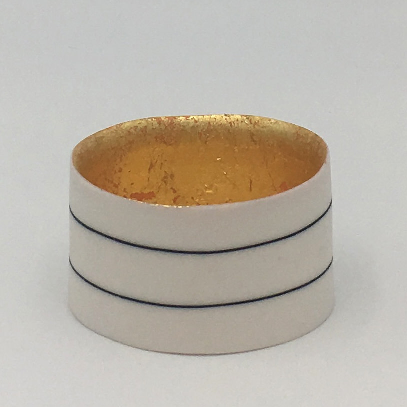"<span class=""link fancybox-details-link""><a href=""/artists/195-lara-scobie/works/6522-lara-scobie-small-23ct-gold-bowl-2019/"">View Detail Page</a></span><div class=""artist""><strong>Lara Scobie</strong></div> <div class=""title""><em>Small 23ct Gold Bowl</em>, 2019</div> <div class=""medium"">Porcelain</div>"