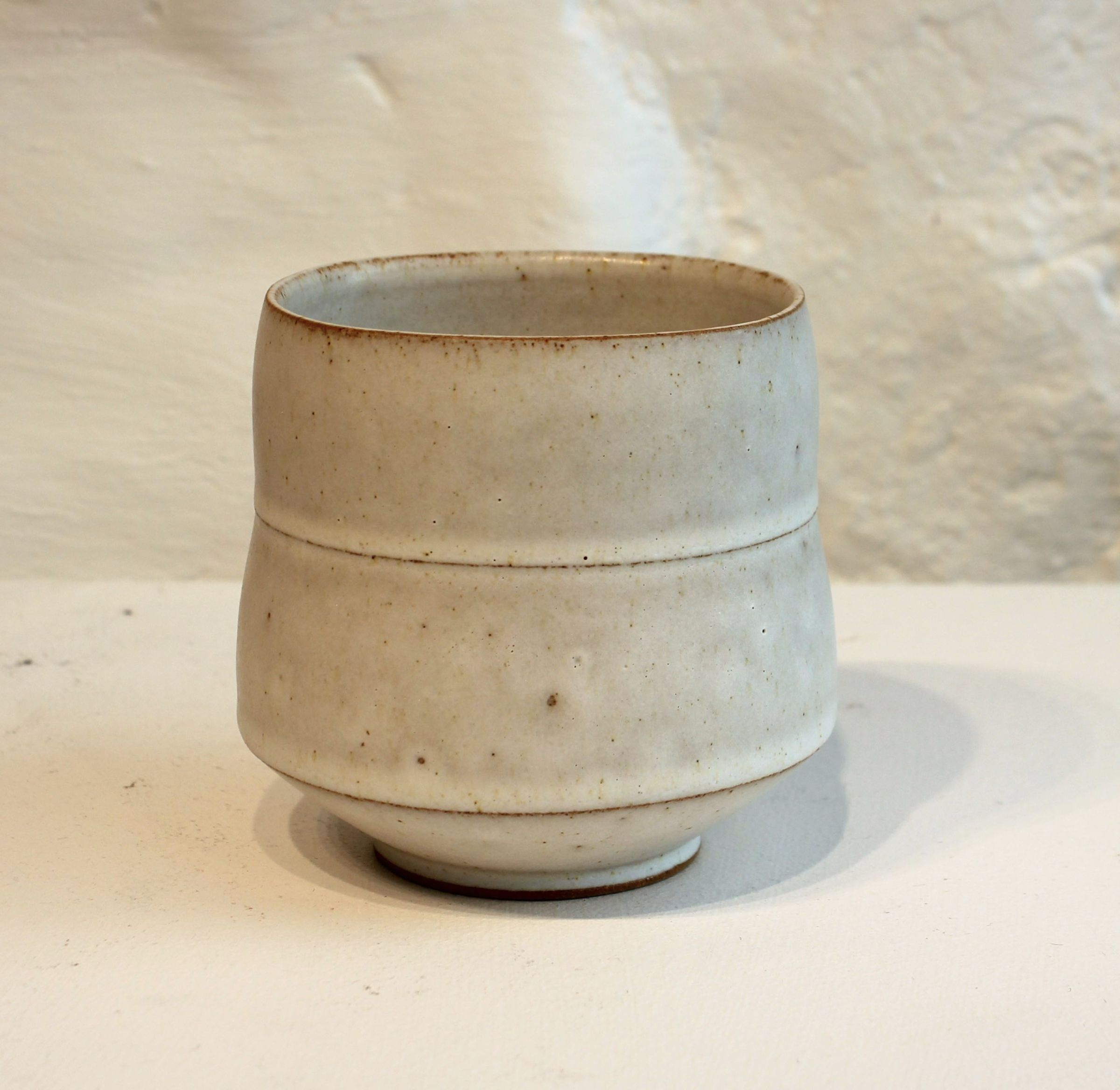 "<span class=""link fancybox-details-link""><a href=""/artists/33-sun-kim/works/5465-sun-kim-tea-bowl-2018/"">View Detail Page</a></span><div class=""artist""><strong>Sun Kim</strong></div> <div class=""title""><em>Tea Bowl</em>, 2018</div> <div class=""signed_and_dated"">Stamped by the artist</div> <div class=""medium"">Stoneware</div><div class=""copyright_line"">Copyright The Artist</div>"