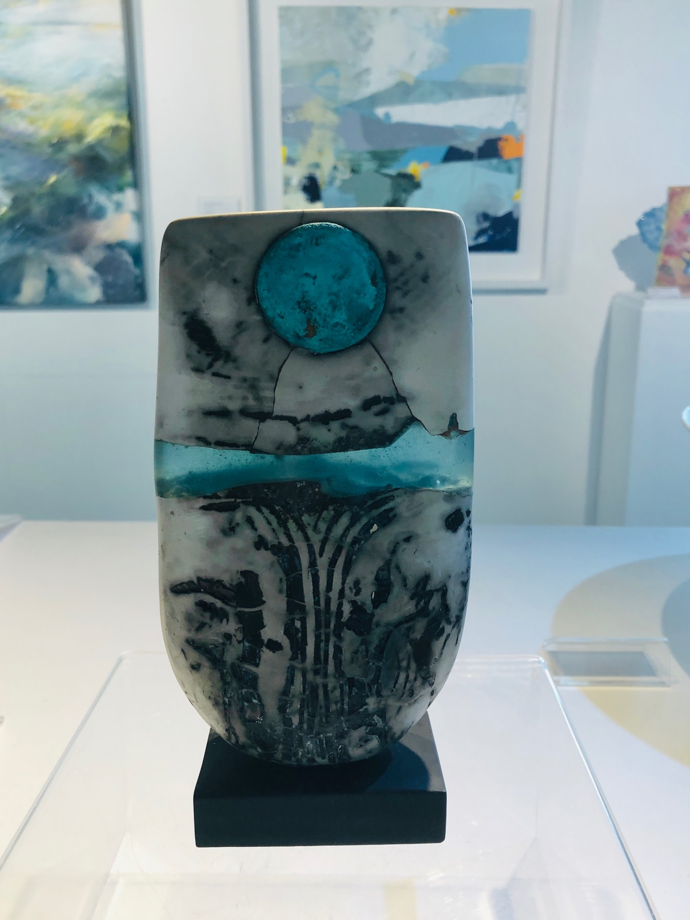 """<span class=""""link fancybox-details-link""""><a href=""""/artists/40-peter-hayes/works/6882-peter-hayes-raku-bow-blue-wave-and-disc-2020/"""">View Detail Page</a></span><div class=""""artist""""><strong>Peter Hayes</strong></div> <div class=""""title""""><em>Raku Bow Blue wave and disc</em>, 2020</div> <div class=""""dimensions"""">h. 23 cm x w. 10 cm</div><div class=""""price"""">£470.00</div><div class=""""copyright_line"""">Ownart: £47 x 10 Months, 0% APR </div>"""