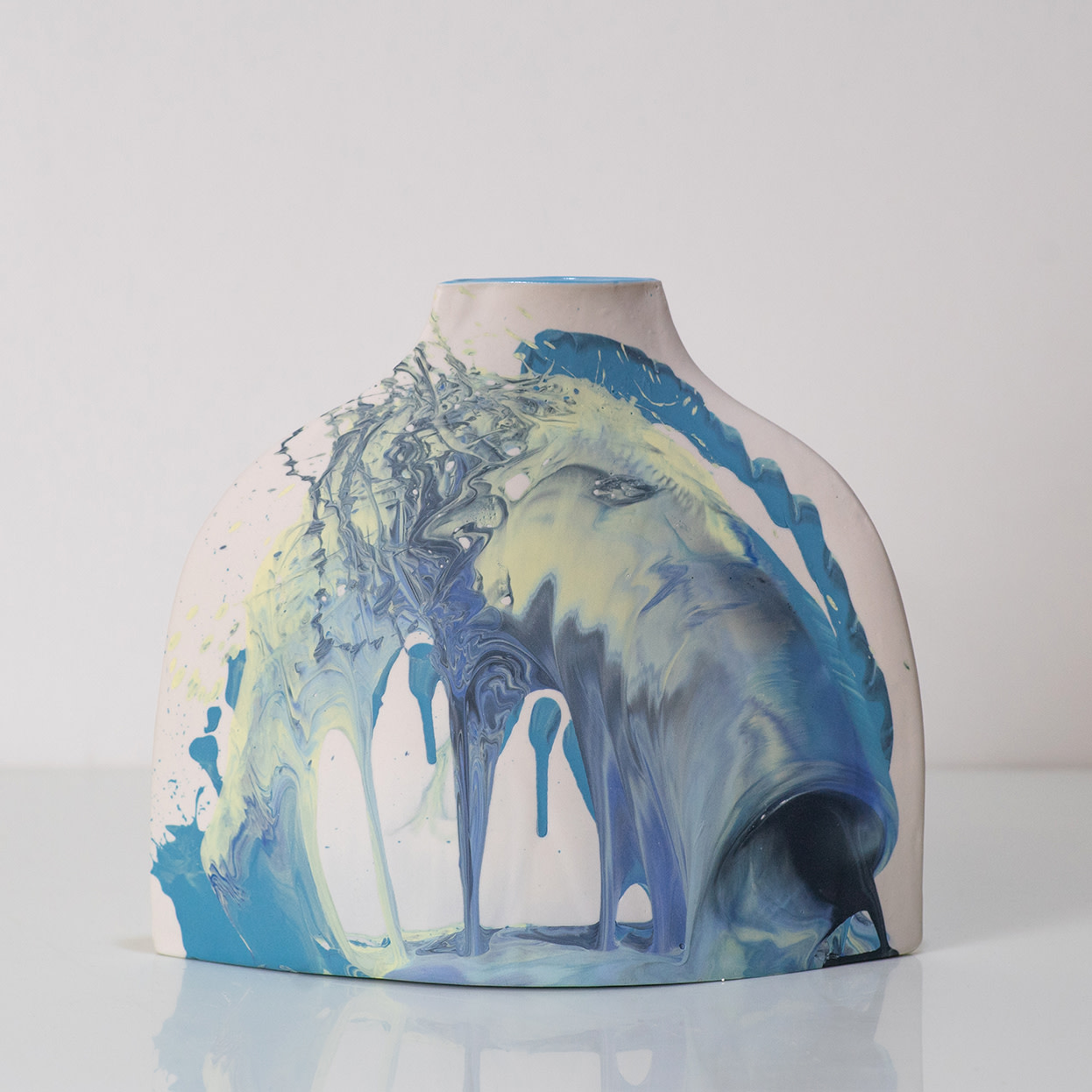 <span class=&#34;link fancybox-details-link&#34;><a href=&#34;/artists/219-james-pegg/works/6096-james-pegg-shoulder-vase-2019/&#34;>View Detail Page</a></span><div class=&#34;artist&#34;><strong>James Pegg</strong></div> <div class=&#34;title&#34;><em>Shoulder Vase</em>, 2019</div> <div class=&#34;medium&#34;>action-cast stained porcelain with glazed interior<br />  (in collaboration with Lucia Fraser)</div> <div class=&#34;dimensions&#34;>h 20 cm x w 17.5 cm</div><div class=&#34;price&#34;>£205.00</div><div class=&#34;copyright_line&#34;>OwnArt: £ 20.50 x 10 Months, 0% APR </div>
