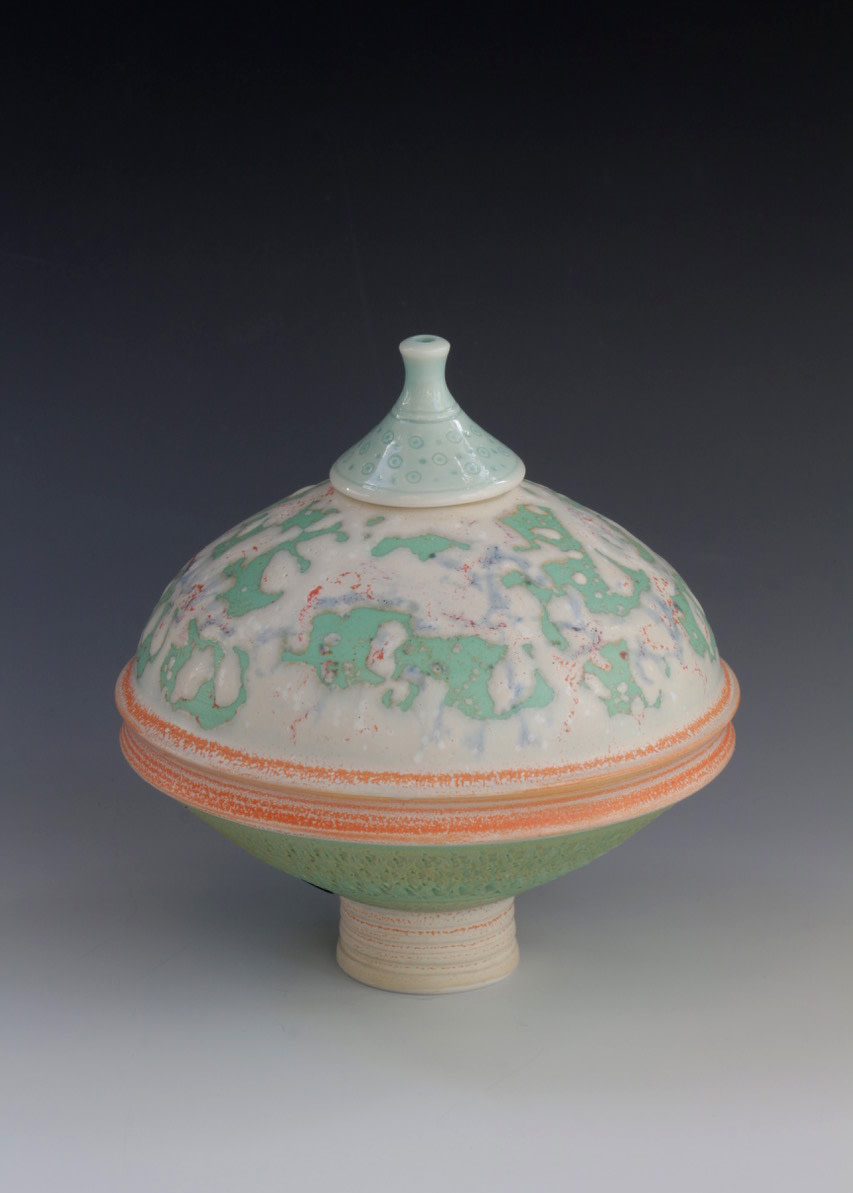 "<span class=""link fancybox-details-link""><a href=""/artists/61-geoffrey-swindell/works/7123-geoffrey-swindell-lidded-pot-2020/"">View Detail Page</a></span><div class=""artist""><strong>Geoffrey Swindell</strong></div> <div class=""title""><em>Lidded Pot</em>, 2020</div> <div class=""signed_and_dated"">impressed artist's seal to base</div> <div class=""medium"">porcelain</div><div class=""copyright_line"">Own Art: £ 17.50 x 10 Months, 0% APR</div>"