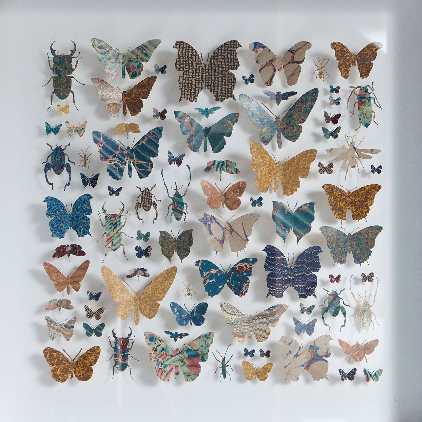 <span class=&#34;link fancybox-details-link&#34;><a href=&#34;/artists/142-helen-ward/works/6231-helen-ward-morpho-square-2-2019/&#34;>View Detail Page</a></span><div class=&#34;artist&#34;><strong>Helen Ward</strong></div> <div class=&#34;title&#34;><em>Morpho Square 2</em>, 2019</div> <div class=&#34;medium&#34;>paper, Victorian hand-marbled papers, gold leaf, enamel pins</div> <div class=&#34;dimensions&#34;>60 x 60 cm</div><div class=&#34;price&#34;>£1,280.00</div><div class=&#34;copyright_line&#34;>Own Art: £ 128 x 10 Monthly 0% APR Representative Payments</div>