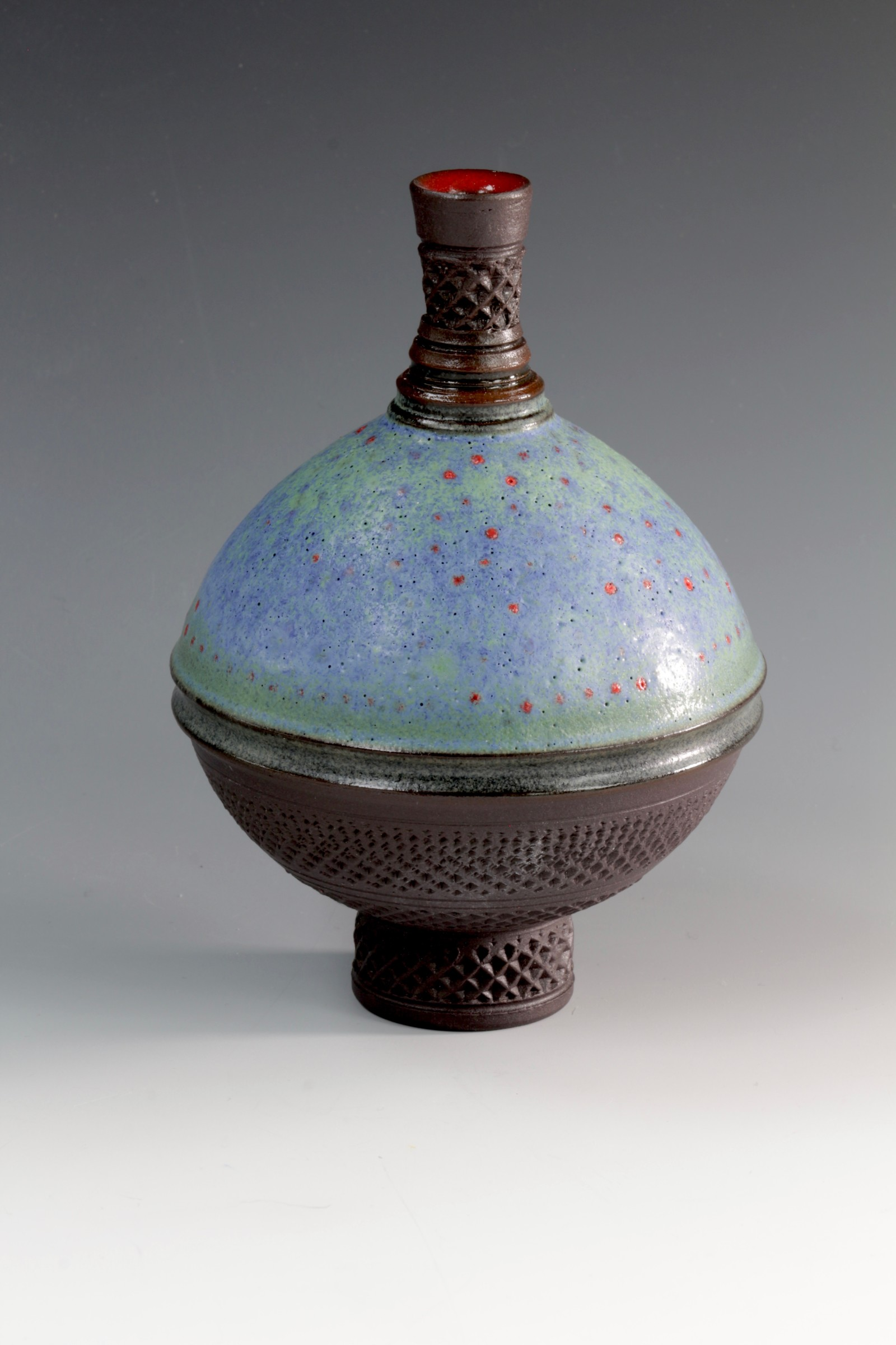 "<span class=""link fancybox-details-link""><a href=""/artists/61-geoffrey-swindell/works/6902-geoffrey-swindell-bud-vase-2020/"">View Detail Page</a></span><div class=""artist""><strong>Geoffrey Swindell</strong></div> <div class=""title""><em>Bud Vase</em>, 2020</div> <div class=""medium"">Porcelain</div><div class=""price"">£170.00</div><div class=""copyright_line"">Copyright The Artist</div>"