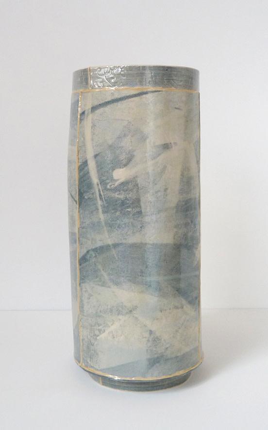 <span class=&#34;link fancybox-details-link&#34;><a href=&#34;/artists/157-emily-kriste-wilcox/works/3948-emily-kriste-wilcox-tall-large-vessel-navy-print-2017/&#34;>View Detail Page</a></span><div class=&#34;artist&#34;><strong>Emily-Kriste Wilcox</strong></div> <div class=&#34;title&#34;><em>Tall Large Vessel, Navy Print</em>, 2017</div> <div class=&#34;medium&#34;>handbuilt ceramic</div> <div class=&#34;dimensions&#34;>31 x 13.5 x 13.5 cm<br /> 12 1/4 x 5 1/4 x 5 1/4 inches</div><div class=&#34;price&#34;>£370.00</div><div class=&#34;copyright_line&#34;>OwnArt: £ 37 x £ 10 Months, 0% APR</div>