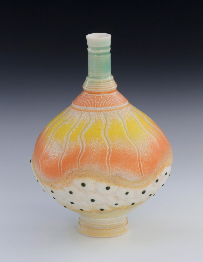 "<span class=""link fancybox-details-link""><a href=""/artists/61-geoffrey-swindell/works/7477-geoffrey-swindell-bud-vase-2021/"">View Detail Page</a></span><div class=""artist""><strong>Geoffrey Swindell</strong></div> b. 1945 <div class=""title""><em>Bud Vase</em>, 2021</div> <div class=""signed_and_dated"">impressed artist's seal to base</div> <div class=""medium"">Porcelain</div> <div class=""dimensions"">h. 11 cm</div><div class=""price"">£185.00</div><div class=""copyright_line"">Own Art: £18.50 x 10 months, 0% APR</div>"