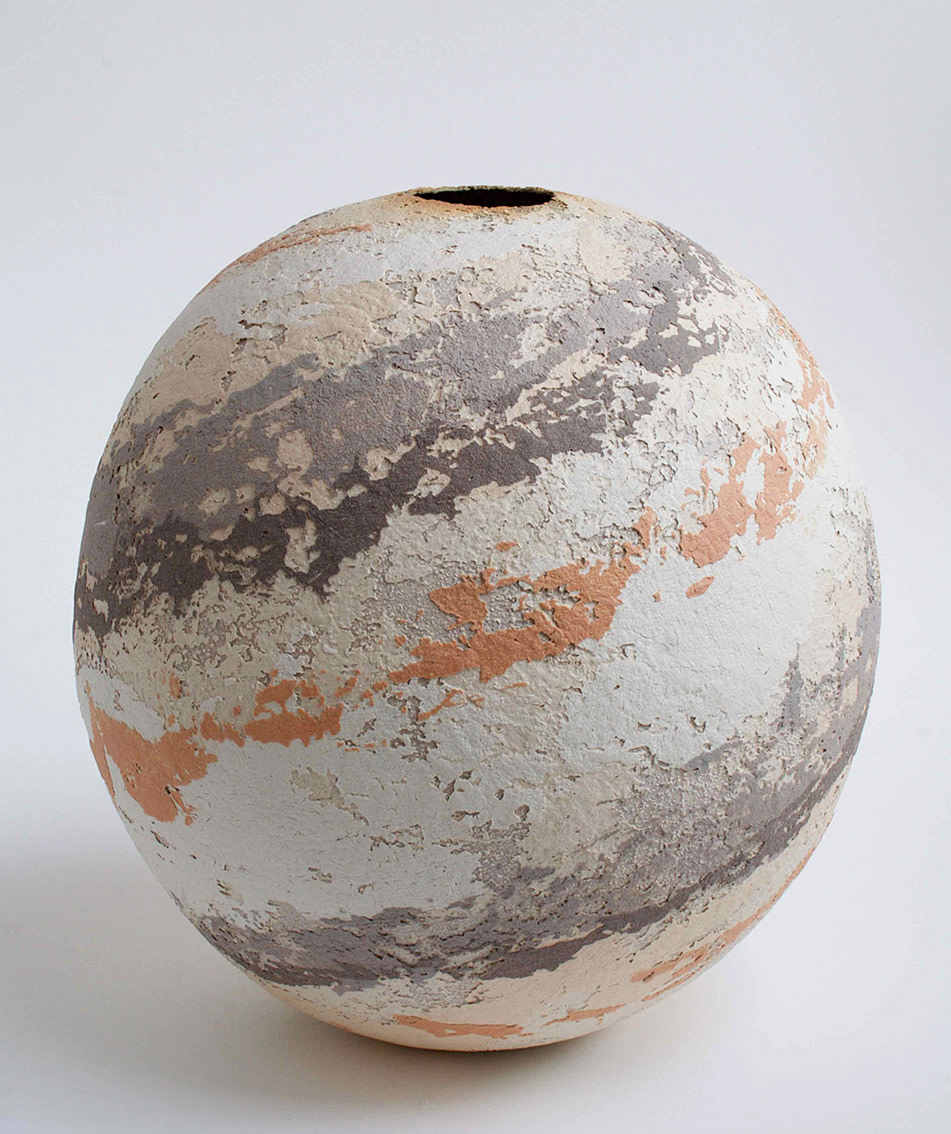 "<span class=""link fancybox-details-link""><a href=""/artists/79-clare-conrad/works/5398-clare-conrad-large-round-bowl-2018/"">View Detail Page</a></span><div class=""artist""><strong>Clare Conrad</strong></div> <div class=""title""><em>Large Round Bowl</em>, 2018</div> <div class=""medium"">wheel-thrown stoneware with vitreous slip & satin-matt glaze</div> <div class=""dimensions"">h. 25cm</div><div class=""price"">£495.00</div><div class=""copyright_line"">OwnArt: £ 45 x 10 Months, 0% APR</div>"