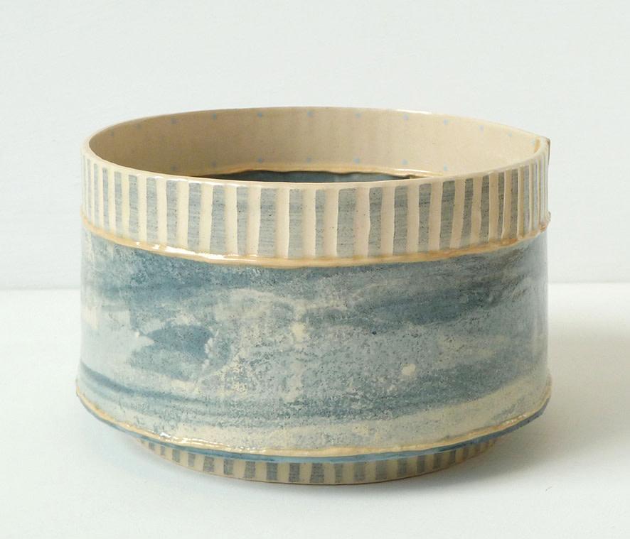 <span class=&#34;link fancybox-details-link&#34;><a href=&#34;/artists/157-emily-kriste-wilcox/works/3954-emily-kriste-wilcox-short-vessel-navy-stripe-2017/&#34;>View Detail Page</a></span><div class=&#34;artist&#34;><strong>Emily-Kriste Wilcox</strong></div> <div class=&#34;title&#34;><em>Short Vessel, Navy Stripe</em>, 2017</div> <div class=&#34;medium&#34;>handbuilt ceramic</div> <div class=&#34;dimensions&#34;>8.5 x 14 x 14 cm<br /> 3 3/8 x 5 1/2 x 5 1/2 inches</div><div class=&#34;copyright_line&#34;>OwnArt: £ 20 x £ 10 Months, 0% APR</div>