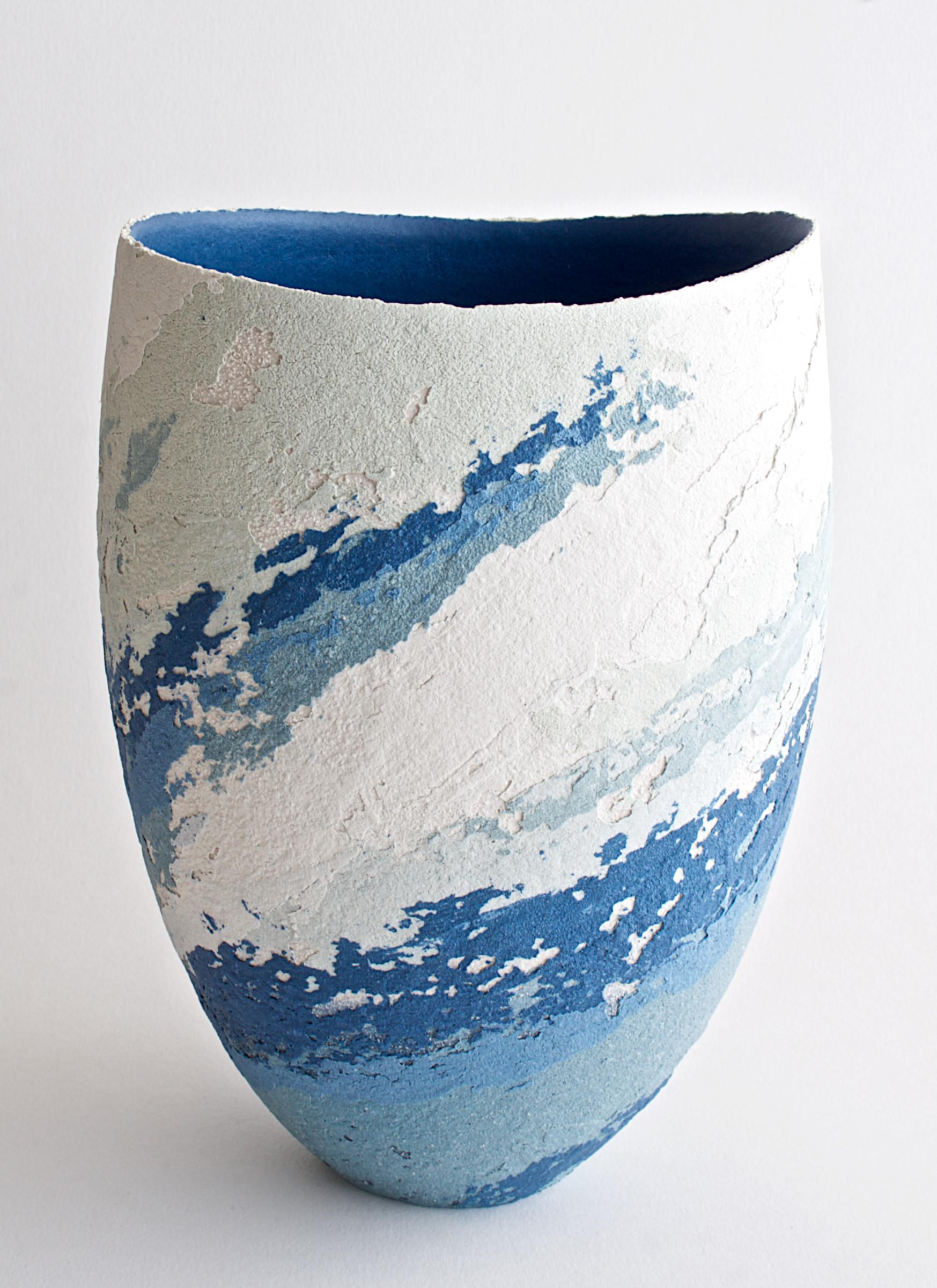 "<span class=""link fancybox-details-link""><a href=""/artists/79-clare-conrad/works/6934-clare-conrad-vessel-scooped-rim-2020/"">View Detail Page</a></span><div class=""artist""><strong>Clare Conrad</strong></div> <div class=""title""><em>Vessel, scooped rim</em>, 2020</div> <div class=""medium"">Stoneware</div> <div class=""dimensions"">h. 21.5 cm</div><div class=""copyright_line"">Copyright The Artist</div>"
