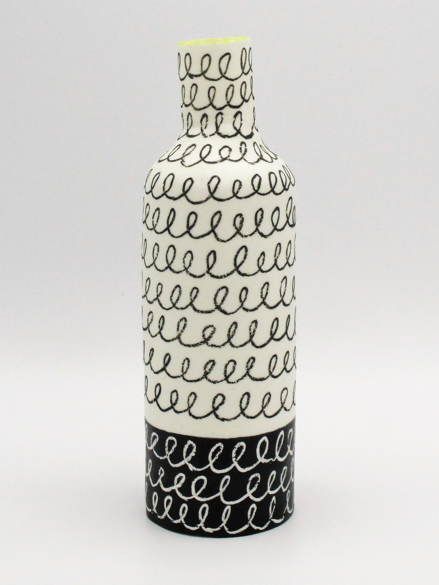 "<span class=""link fancybox-details-link""><a href=""/artists/226-jane-muende/works/7162-jane-muende-high-shoulder-bottle-blalck-white-with-contrasting-2020/"">View Detail Page</a></span><div class=""artist""><strong>Jane Muende</strong></div> <div class=""title""><em>High shoulder bottle, blalck & white with contrasting helter skelter lines, lime green rim</em>, 2020</div> <div class=""medium"">Hand built in paper porcelain</div> <div class=""dimensions"">20 cm x 6 cm </div><div class=""price"">£210.00</div><div class=""copyright_line"">Own Art: £21 x 10 months 0% APR</div>"
