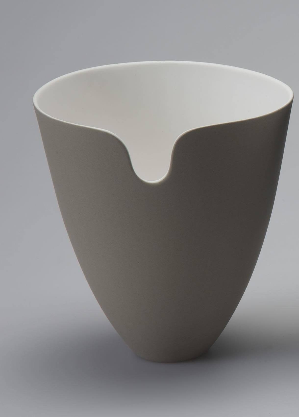 "<span class=""link fancybox-details-link""><a href=""/artists/60-sasha-wardell/works/5048-sasha-wardell-edge-vase-sepia-2017/"">View Detail Page</a></span><div class=""artist""><strong>Sasha Wardell</strong></div> <div class=""title""><em>Edge Vase - Sepia </em>, 2017</div> <div class=""copyright_line"">Copyright The Artist</div>"