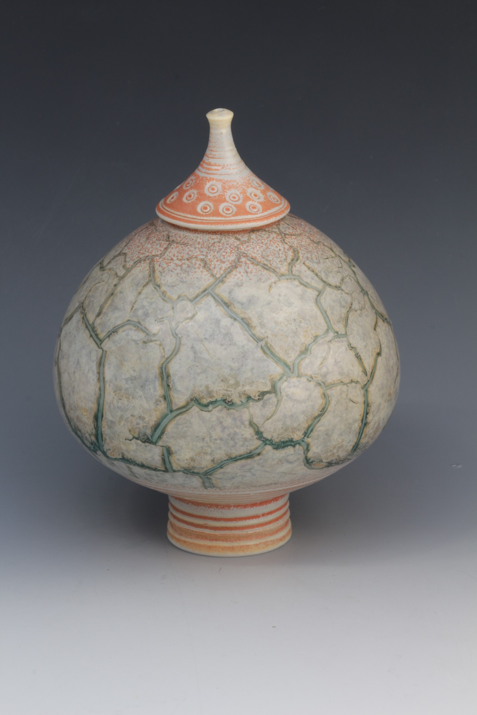 "<span class=""link fancybox-details-link""><a href=""/artists/61-geoffrey-swindell/works/6415-geoffrey-swindell-lidded-pot/"">View Detail Page</a></span><div class=""artist""><strong>Geoffrey Swindell</strong></div> <div class=""title""><em>Lidded Pot</em></div> <div class=""copyright_line"">Ownart £17.50 x 10 Months 0% APR</div>"