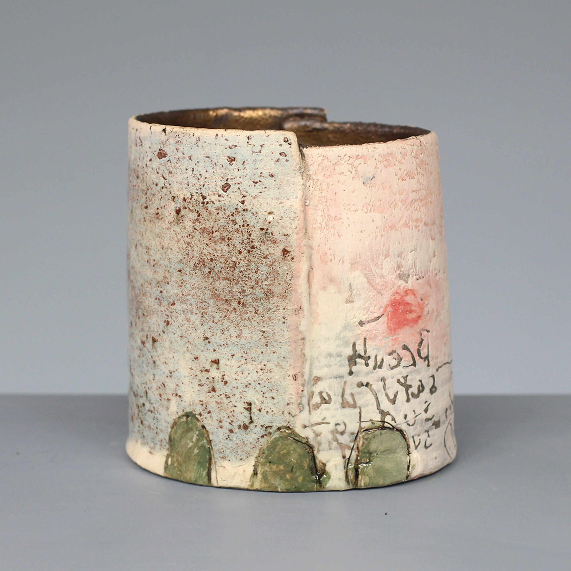 "<span class=""link fancybox-details-link""><a href=""/artists/72-craig-underhill/works/7200-craig-underhill-small-vessel-green-circles-2020/"">View Detail Page</a></span><div class=""artist""><strong>Craig Underhill</strong></div> <div class=""title""><em>Small Vessel – Green Circles</em>, 2020</div> <div class=""signed_and_dated"">signed to base</div> <div class=""medium"">slab-built, engobe layers, slips & glazes</div> <div class=""dimensions"">h 11.5cm</div><div class=""price"">£140.00</div><div class=""copyright_line"">Own Art: £ 14 x 10 Months, 0% APR</div>"