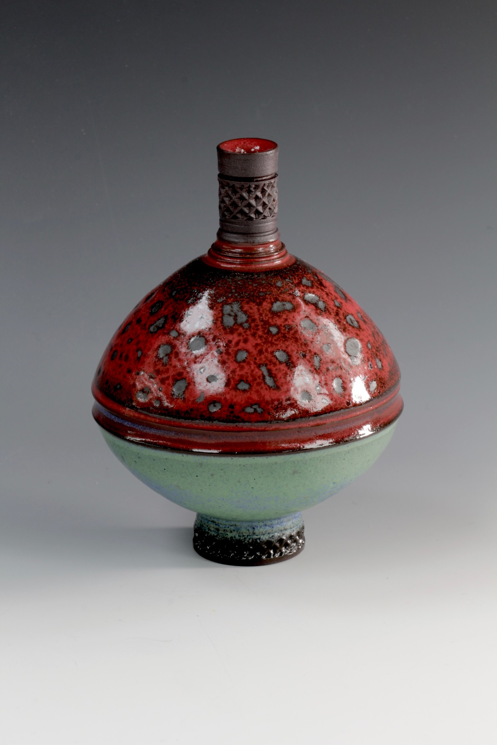 "<span class=""link fancybox-details-link""><a href=""/artists/61-geoffrey-swindell/works/6905-geoffrey-swindell-bud-vase-2020/"">View Detail Page</a></span><div class=""artist""><strong>Geoffrey Swindell</strong></div> <div class=""title""><em>Bud Vase</em>, 2020</div> <div class=""medium"">Porcelain</div><div class=""price"">£170.00</div><div class=""copyright_line"">Copyright The Artist</div>"