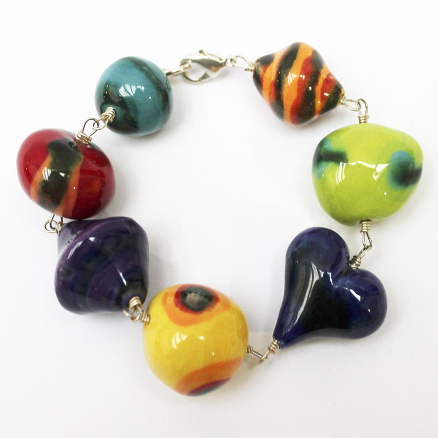 "<span class=""link fancybox-details-link""><a href=""/artists/146-elinor-lamond/works/984-elinor-lamond-handmade-ceramic-beads-bracelet/"">View Detail Page</a></span><div class=""artist""><strong>Elinor Lamond</strong></div> <div class=""title""><em>Handmade Ceramic Beads Bracelet</em></div> <div class=""medium"">handmade ceramic beads</div> <div class=""dimensions"">l. 24 cm</div><div class=""copyright_line"">Copyright The Artist</div>"