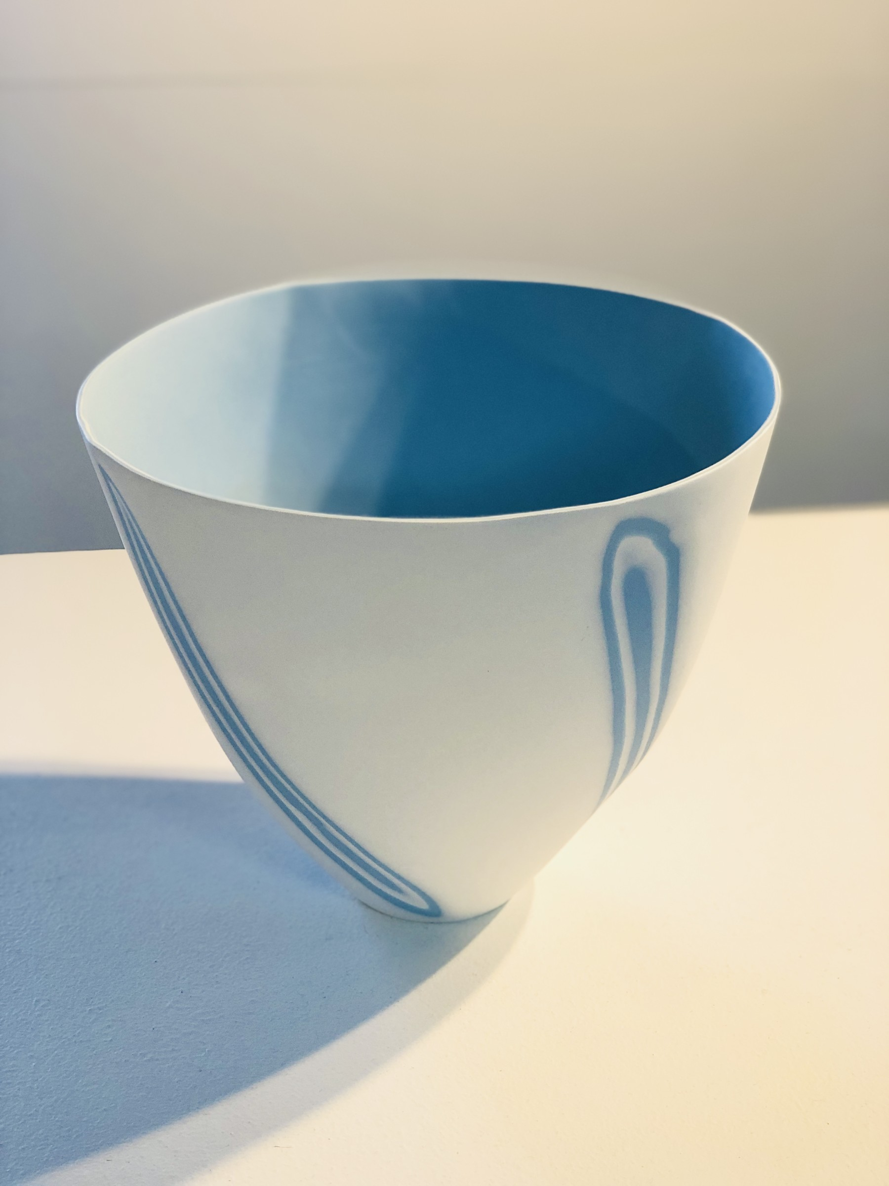 "<span class=""link fancybox-details-link""><a href=""/artists/60-sasha-wardell/works/7059-sasha-wardell-large-twist-bowl-2020/"">View Detail Page</a></span><div class=""artist""><strong>Sasha Wardell</strong></div> <div class=""title""><em>Large Twist Bowl </em>, 2020</div> <div class=""medium"">Layered Porcelain </div><div class=""price"">£500.00</div><div class=""copyright_line"">Ownart: £50 x 10 Months, 0% APR</div>"