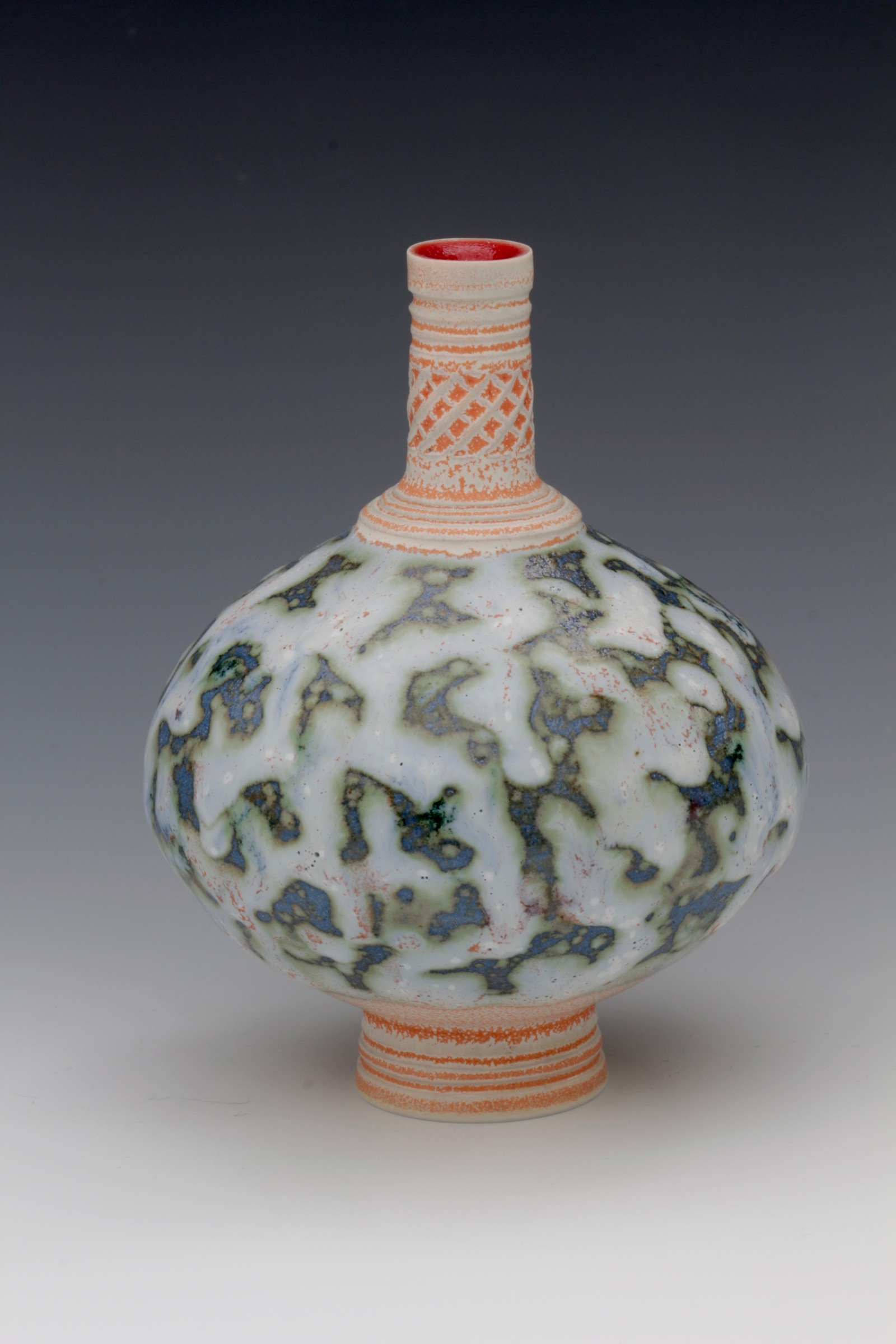 "<span class=""link fancybox-details-link""><a href=""/artists/61-geoffrey-swindell/works/6328-geoffrey-swindell-bud-vase-2019/"">View Detail Page</a></span><div class=""artist""><strong>Geoffrey Swindell</strong></div> <div class=""title""><em>Bud Vase</em>, 2019</div> <div class=""signed_and_dated"">Stamped on the bottom</div> <div class=""medium"">Porcelain</div><div class=""copyright_line"">Own Art: £16 x 10 Months 0% APR</div>"