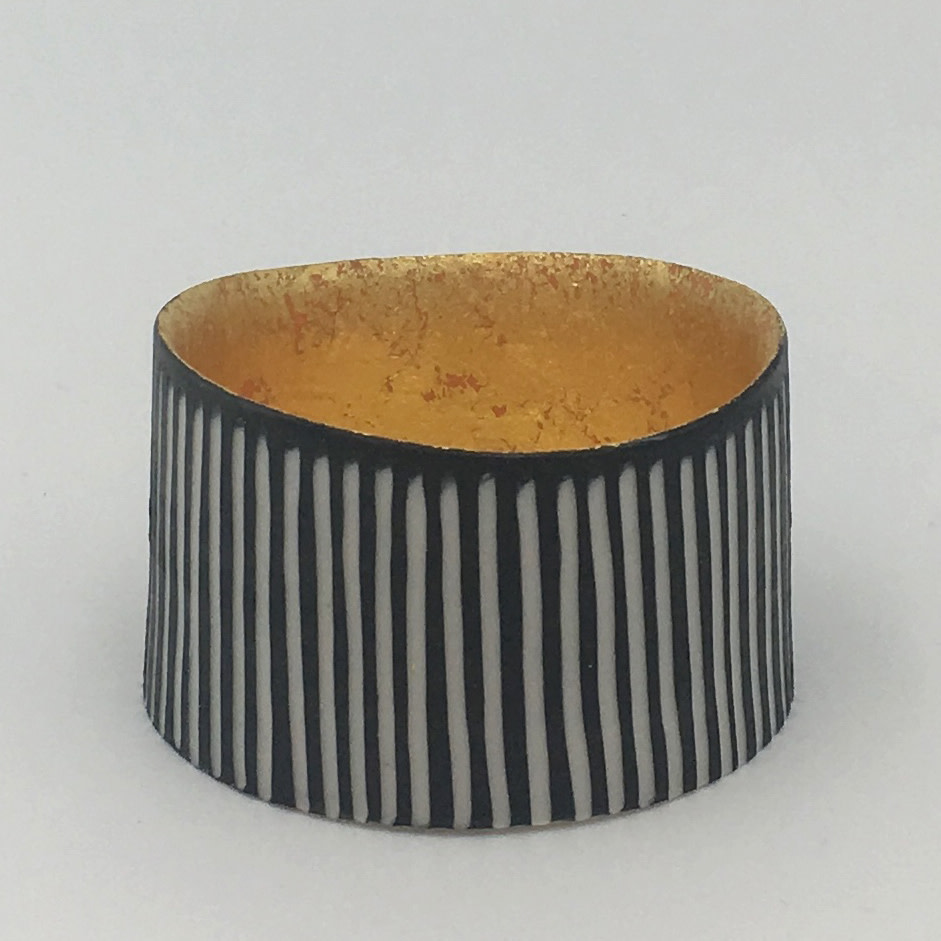 "<span class=""link fancybox-details-link""><a href=""/artists/195-lara-scobie/works/6520-lara-scobie-small-23ct-gold-bowl-2019/"">View Detail Page</a></span><div class=""artist""><strong>Lara Scobie</strong></div> <div class=""title""><em>Small 23ct Gold Bowl</em>, 2019</div> <div class=""medium"">Porcelain</div>"