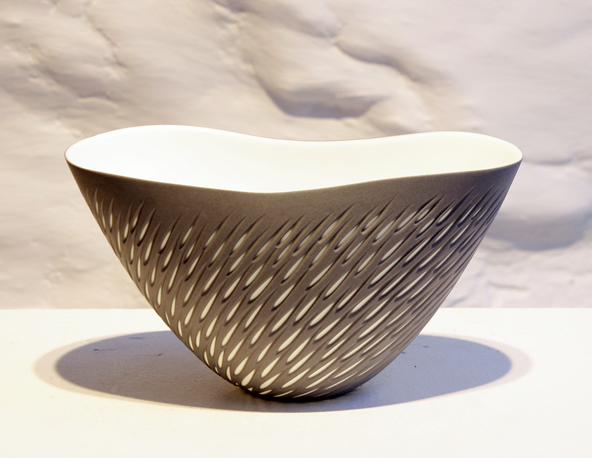 "<span class=""link fancybox-details-link""><a href=""/artists/60-sasha-wardell/works/6017-sasha-wardell-shoal-bowl-2018/"">View Detail Page</a></span><div class=""artist""><strong>Sasha Wardell</strong></div> <div class=""title""><em>Shoal Bowl</em>, 2018</div> <div class=""medium"">porcelain</div><div class=""copyright_line"">Copyright The Artist</div>"
