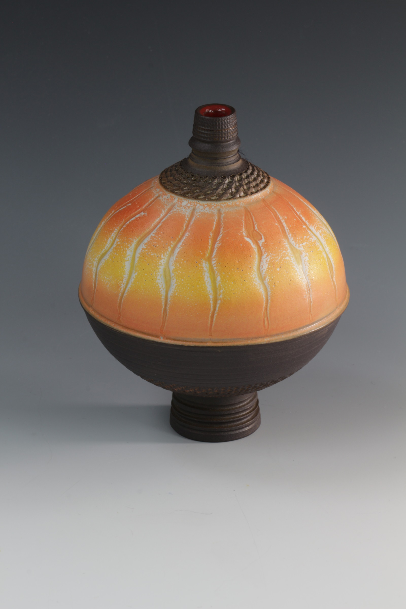 "<span class=""link fancybox-details-link""><a href=""/artists/61-geoffrey-swindell/works/6900-geoffrey-swindell-bud-vase-2020/"">View Detail Page</a></span><div class=""artist""><strong>Geoffrey Swindell</strong></div> <div class=""title""><em>Bud Vase</em>, 2020</div> <div class=""medium"">Porcelain</div><div class=""price"">£170.00</div><div class=""copyright_line"">Copyright The Artist</div>"