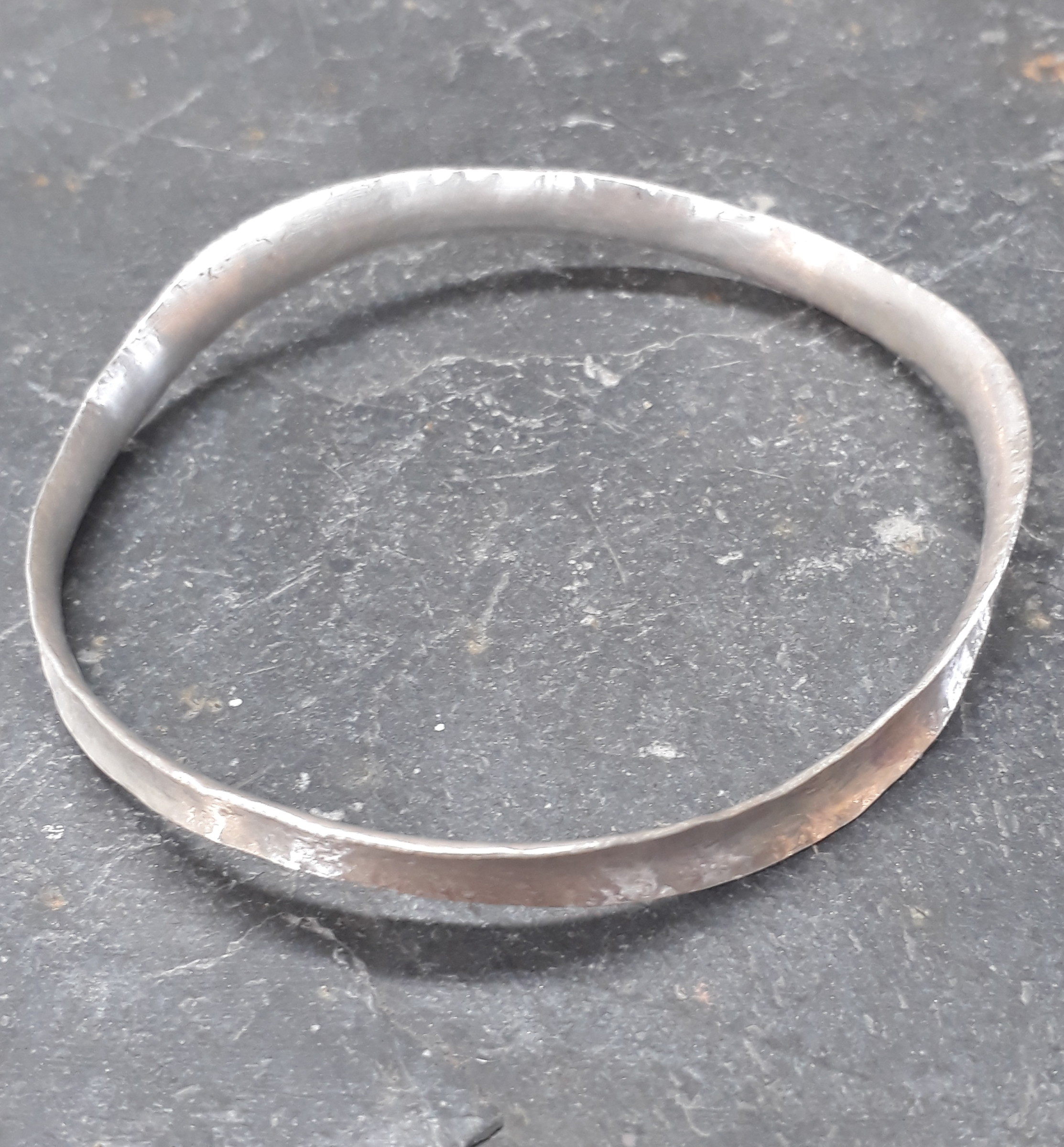 "<span class=""link fancybox-details-link""><a href=""/artists/148-roberta-hopkins/works/5706-roberta-hopkins-wavelet-bangle-2018/"">View Detail Page</a></span><div class=""artist""><strong>Roberta Hopkins</strong></div> <div class=""title""><em>Wavelet Bangle</em>, 2018</div> <div class=""medium"">sterling silver</div><div class=""copyright_line"">£ 10.50 x 10 Months, OwnArt 0% APR</div>"