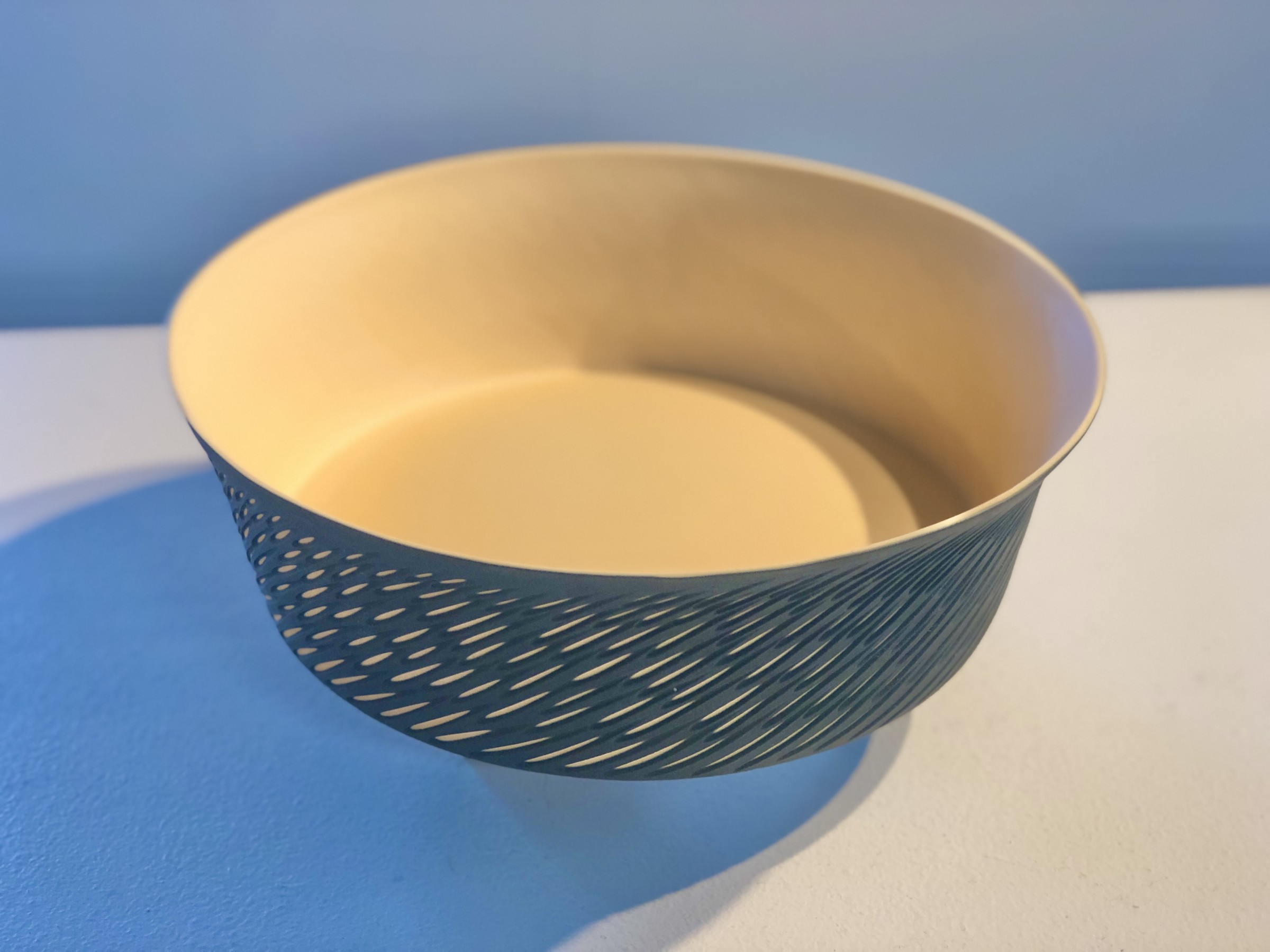 "<span class=""link fancybox-details-link""><a href=""/artists/60-sasha-wardell/works/7060-sasha-wardell-large-straight-sided-dish-shoal-2020/"">View Detail Page</a></span><div class=""artist""><strong>Sasha Wardell</strong></div> <div class=""title""><em>Large Straight Sided Dish Shoal</em>, 2020</div> <div class=""medium"">Layered Porcelain </div><div class=""price"">£270.00</div><div class=""copyright_line"">Ownart: £48 x 10 Months, 0% APR</div>"