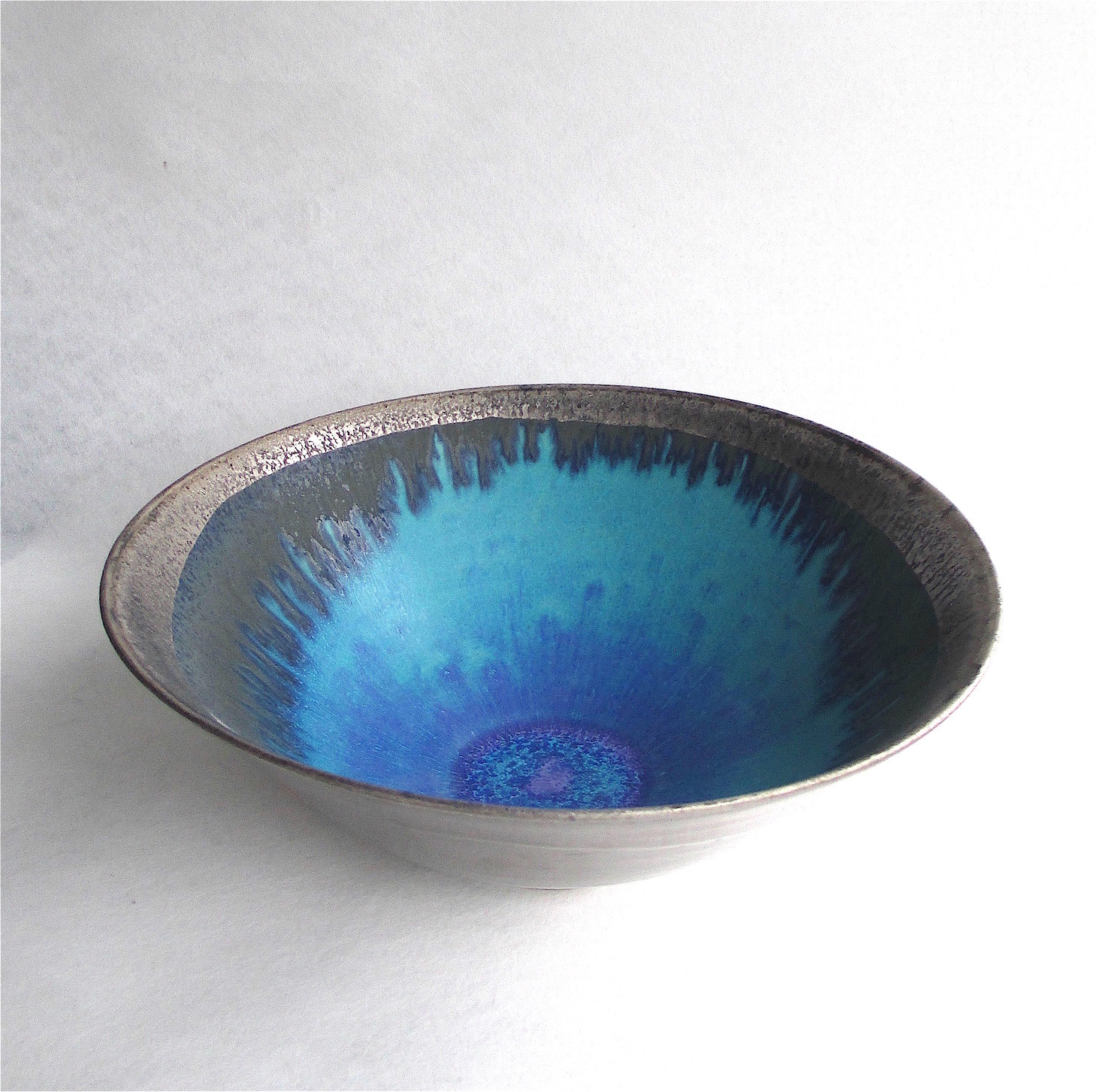 "<span class=""link fancybox-details-link""><a href=""/artists/44-sarah-perry/works/6475-sarah-perry-silver-lustred-blue-pool-bowl-2019/"">View Detail Page</a></span><div class=""artist""><strong>Sarah Perry</strong></div> <div class=""title""><em>Silver Lustred Blue Pool Bowl </em>, 2019</div> <div class=""medium"">stoneware</div> <div class=""dimensions"">h. 11 cm</div><div class=""copyright_line"">Ownart: £42 x 10 Months, 0% APR</div>"
