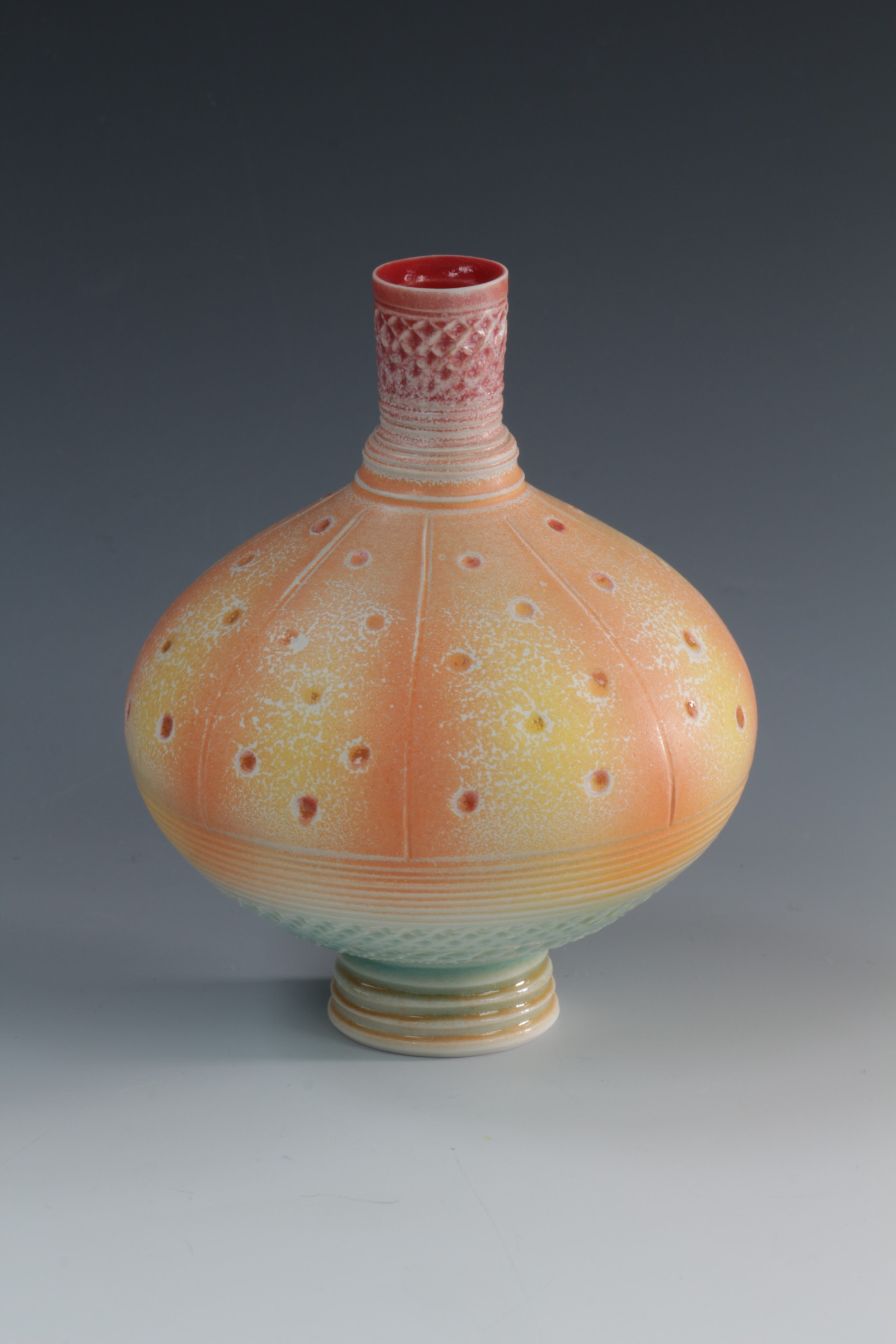 "<span class=""link fancybox-details-link""><a href=""/artists/61-geoffrey-swindell/works/6901-geoffrey-swindell-bud-vase-2020/"">View Detail Page</a></span><div class=""artist""><strong>Geoffrey Swindell</strong></div> <div class=""title""><em>Bud Vase</em>, 2020</div> <div class=""medium"">Porcelain</div><div class=""price"">£170.00</div><div class=""copyright_line"">Copyright The Artist</div>"