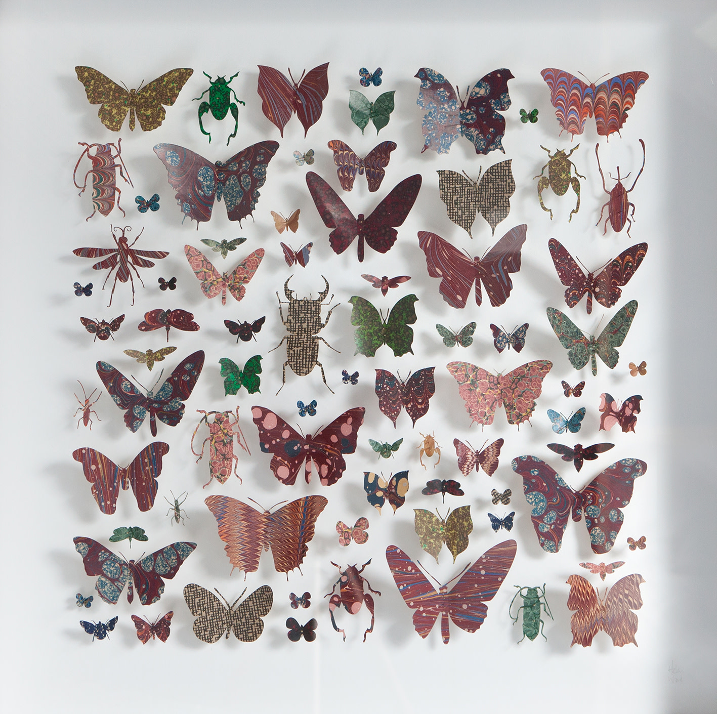 <span class=&#34;link fancybox-details-link&#34;><a href=&#34;/artists/142-helen-ward/works/6230-helen-ward-morpho-square-1-2019/&#34;>View Detail Page</a></span><div class=&#34;artist&#34;><strong>Helen Ward</strong></div> <div class=&#34;title&#34;><em>Morpho Square 1</em>, 2019</div> <div class=&#34;medium&#34;>paper, Victorian hand-marbled papers, gold leaf, enamel pins</div> <div class=&#34;dimensions&#34;>60 x 60 cm</div><div class=&#34;price&#34;>£1,280.00</div><div class=&#34;copyright_line&#34;>Own Art: £ 128 x 10 Monthly 0% APR Representative Payments</div>