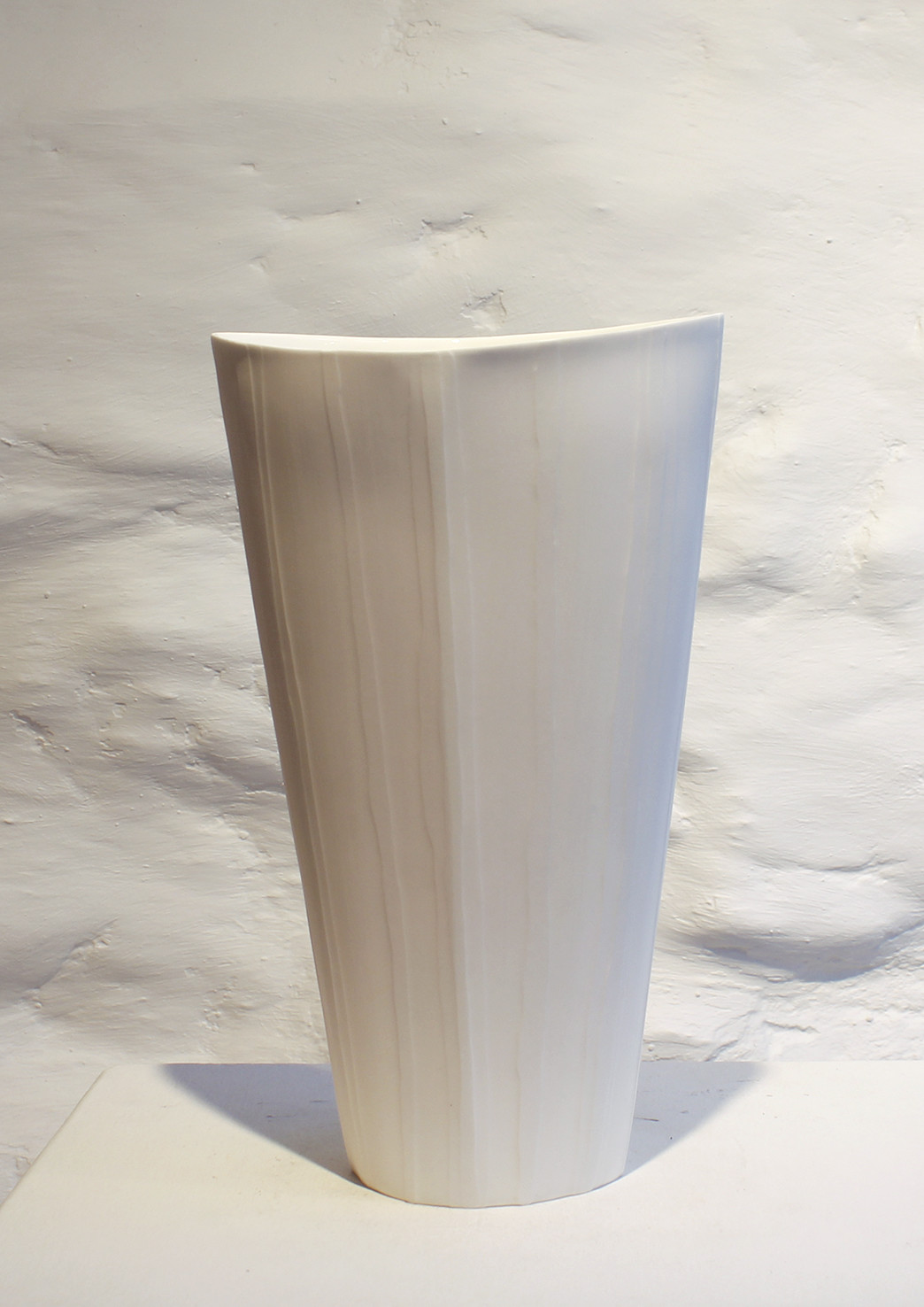 "<span class=""link fancybox-details-link""><a href=""/artists/60-sasha-wardell/works/6013-sasha-wardell-veil-flower-vase-2018/"">View Detail Page</a></span><div class=""artist""><strong>Sasha Wardell</strong></div> <div class=""title""><em>Veil Flower Vase</em>, 2018</div> <div class=""medium"">porcelain glazed and ripple</div><div class=""price"">£220.00</div><div class=""copyright_line"">Copyright The Artist</div>"