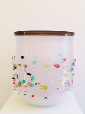 <span class=&#34;link fancybox-details-link&#34;><a href=&#34;/exhibitions/16/works/artworks4924/&#34;>View Detail Page</a></span><div class=&#34;medium&#34;>Glass<br /> <br /> Unicum</div> <div class=&#34;dimensions&#34;>35 x 32 cm</div>